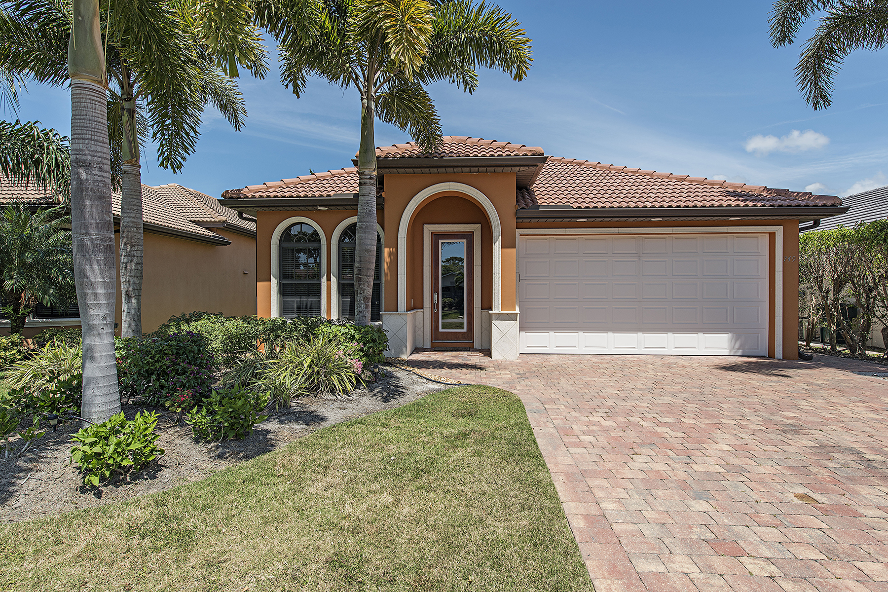 Single Family Home for Sale at NAPLES PARK 749 93rd Ave N Naples, Florida, 34108 United States