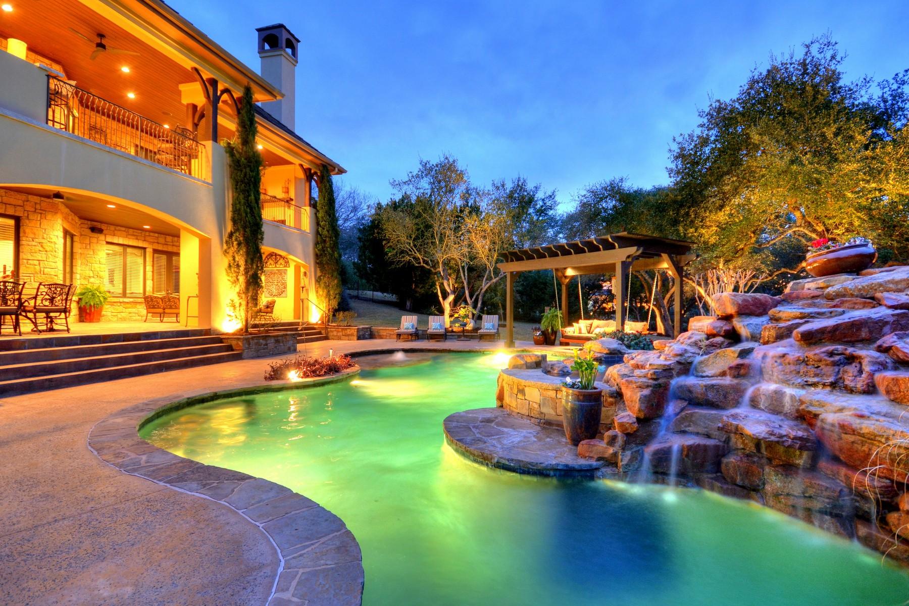 Casa Unifamiliar por un Venta en Lake Travis Living at its Best 15900 Fontaine Ave Austin, Texas 78734 Estados Unidos