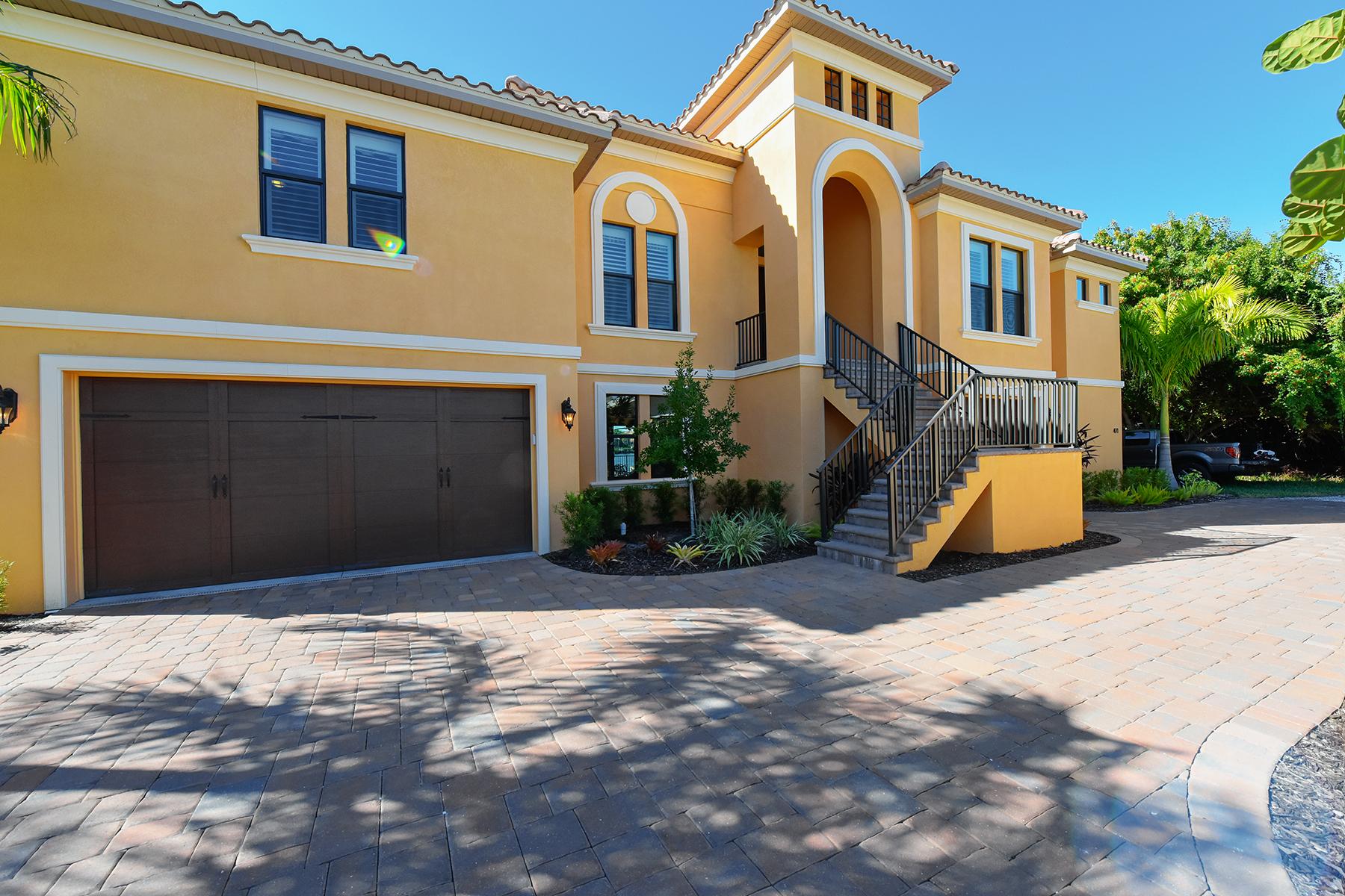 獨棟家庭住宅 為 出售 在 NOKOMIS 471 Bayshore Rd Nokomis, 佛羅里達州 34275 美國