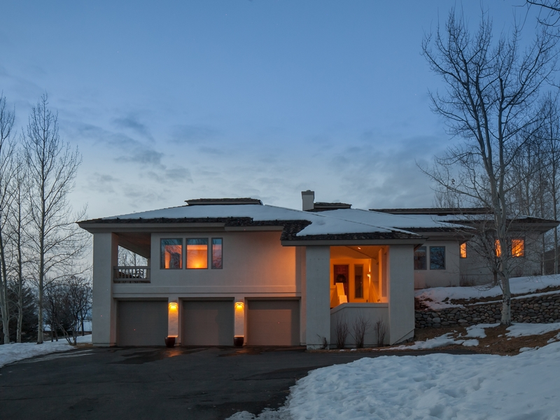 Additional photo for property listing at Tasteful Contemporary Home  Sun Valley, Idaho 83353 United States