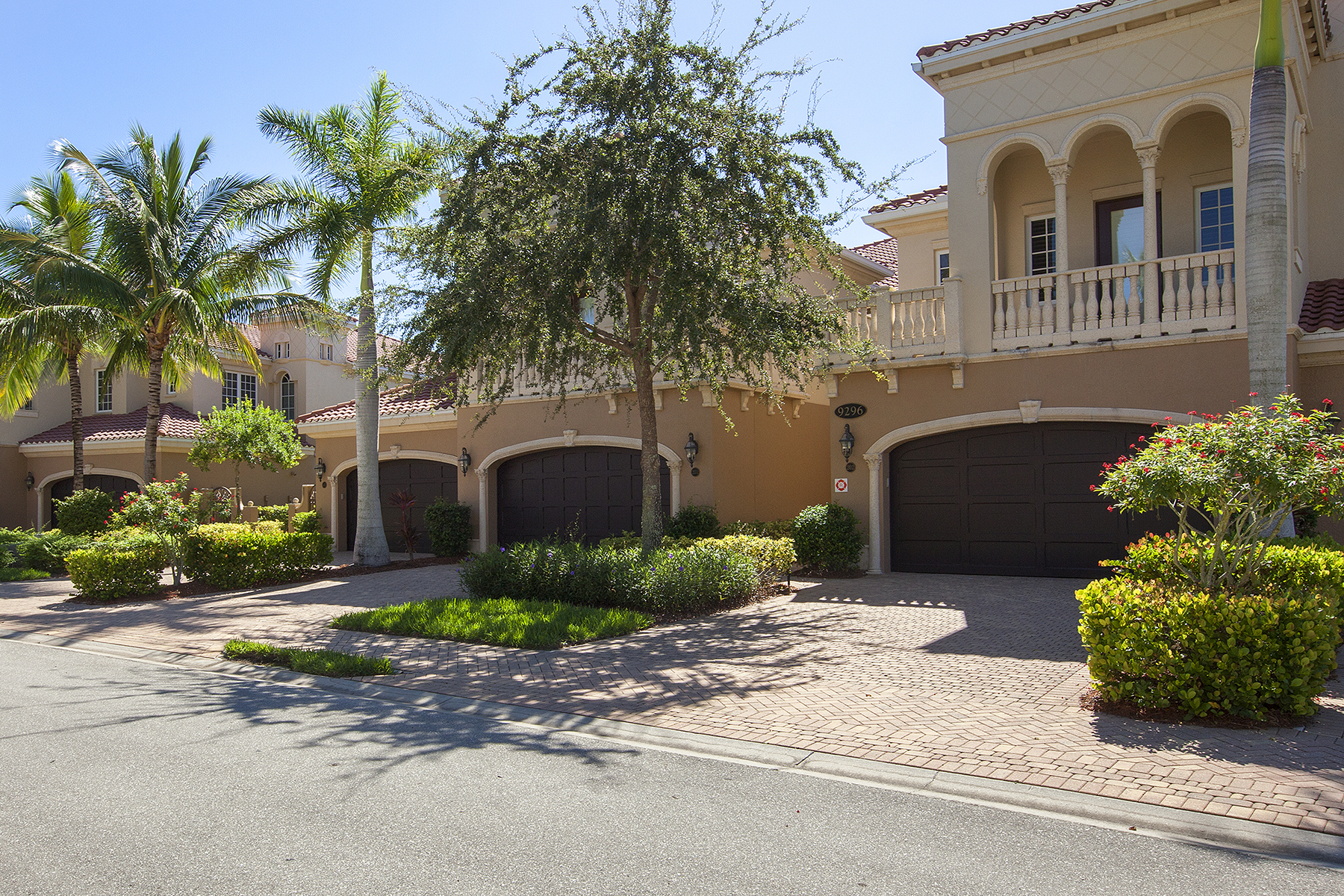 sales property at FIDDLER'S CREEK - MENAGGIO