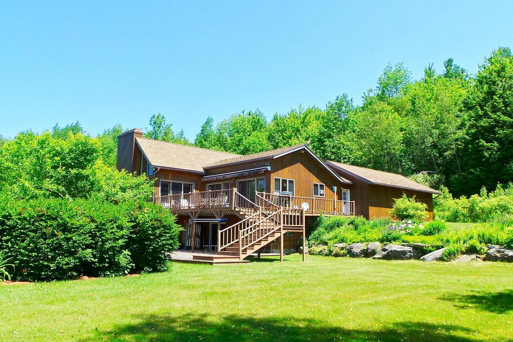 Villa per Vendita alle ore Capivating Montgomery Lifestyle 1655 Hill West Rd Montgomery, Vermont, 05470 Stati Uniti