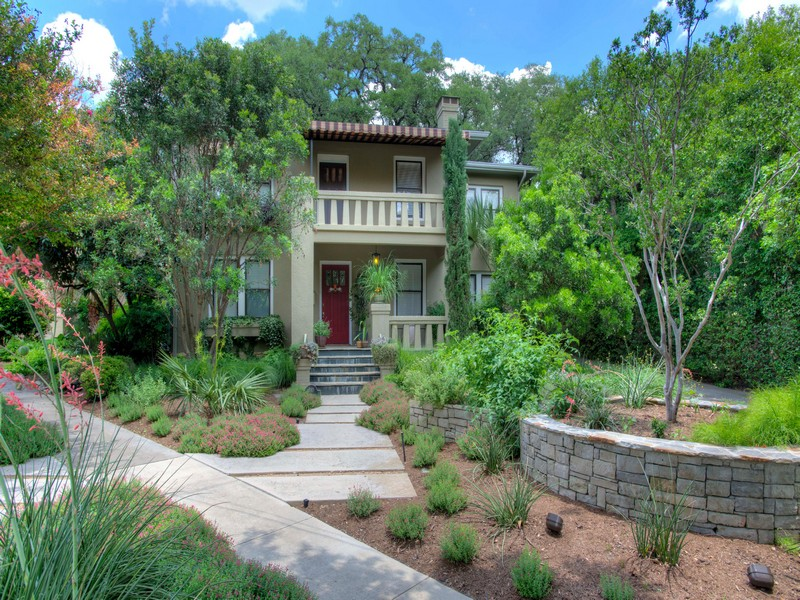 Maison unifamiliale pour l Vente à Prairie-Style Home in Alamo Heights 610 Patterson Ave Alamo Heights, San Antonio, Texas, 78209 États-Unis