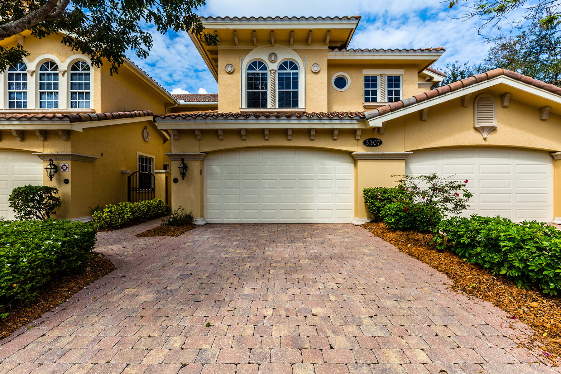 Condominio per Vendita alle ore FIDDLER'S CREEK - CHERRY OAKS 3307 Club Center Blvd 102 Naples, Florida, 34114 Stati Uniti