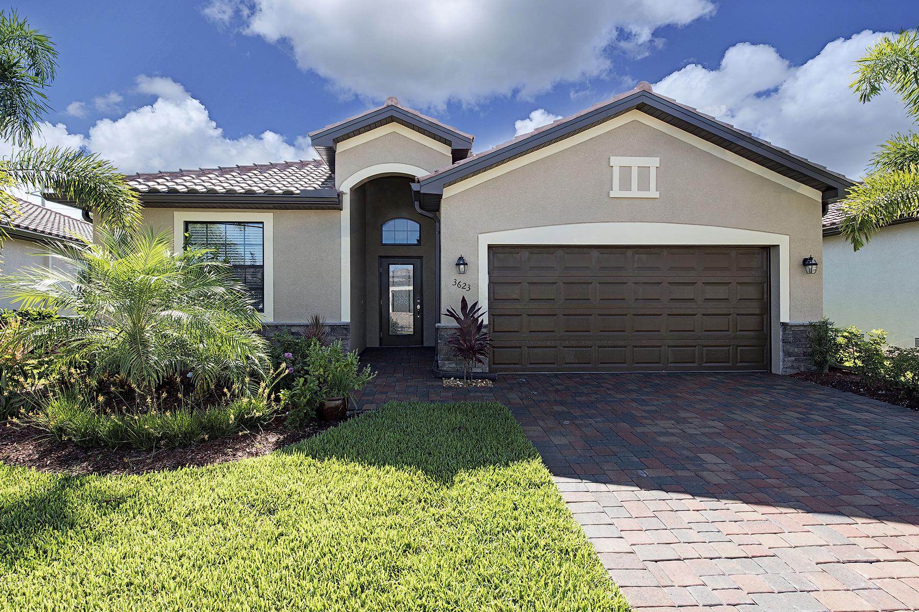 Casa Unifamiliar por un Venta en COPPER COVE - TREASURE COVE CIRCLE 3623 Treasure Cove Cir Naples, Florida 34114 Estados Unidos