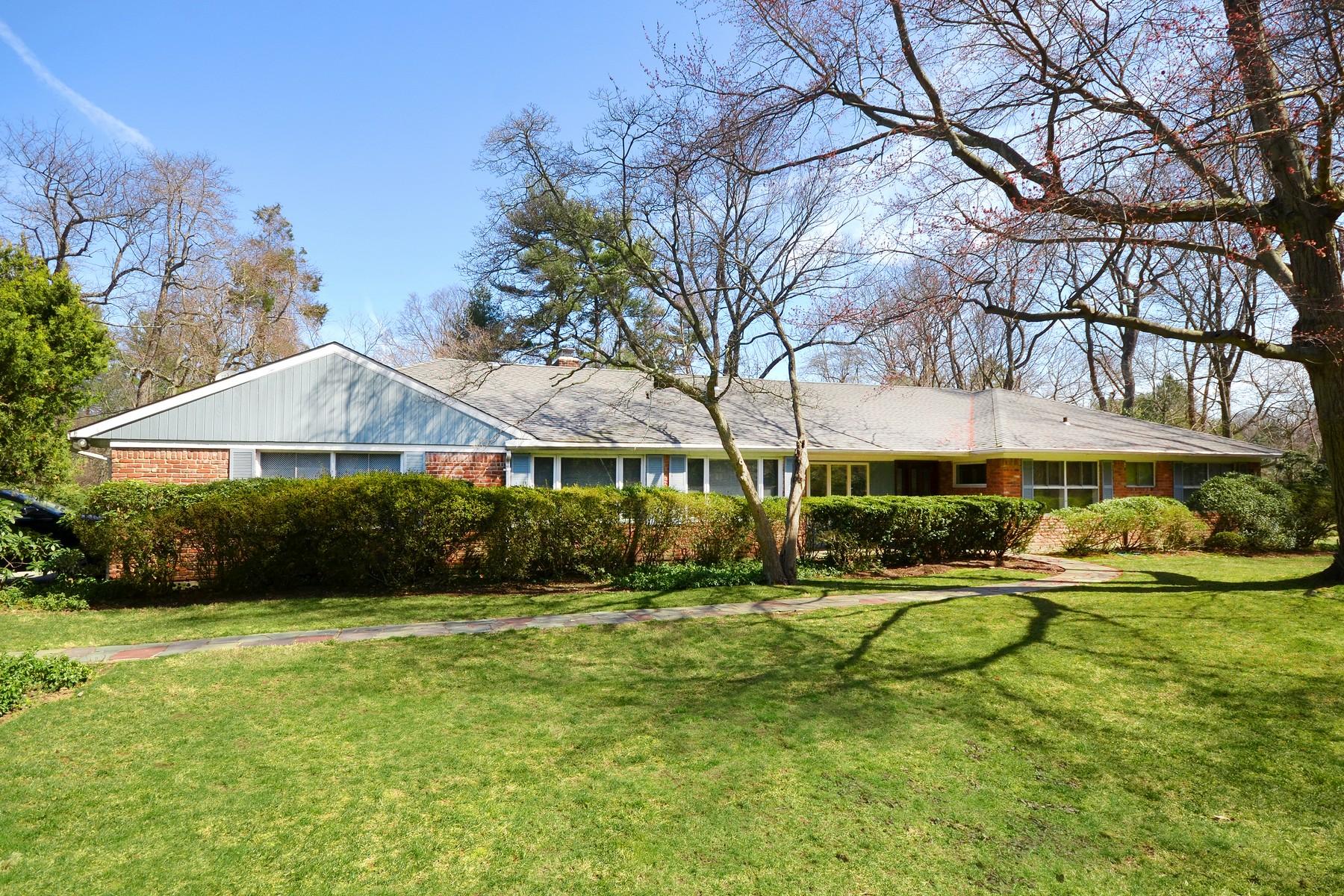Maison unifamiliale pour l Vente à Ranch 3 Bridle Ln Sands Point, New York, 11050 États-Unis