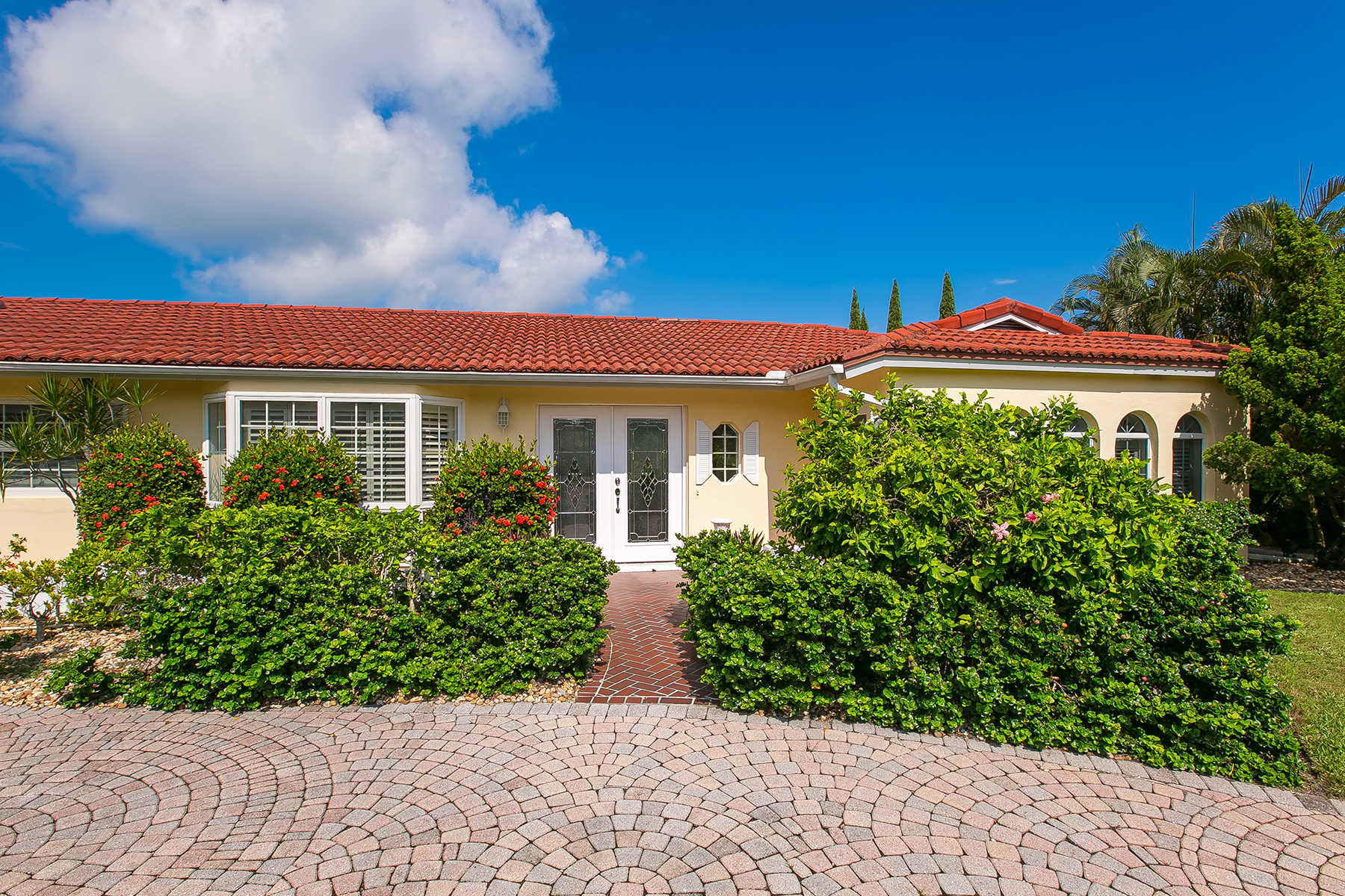 Property For Sale at COUNTRY CLUB SHORES