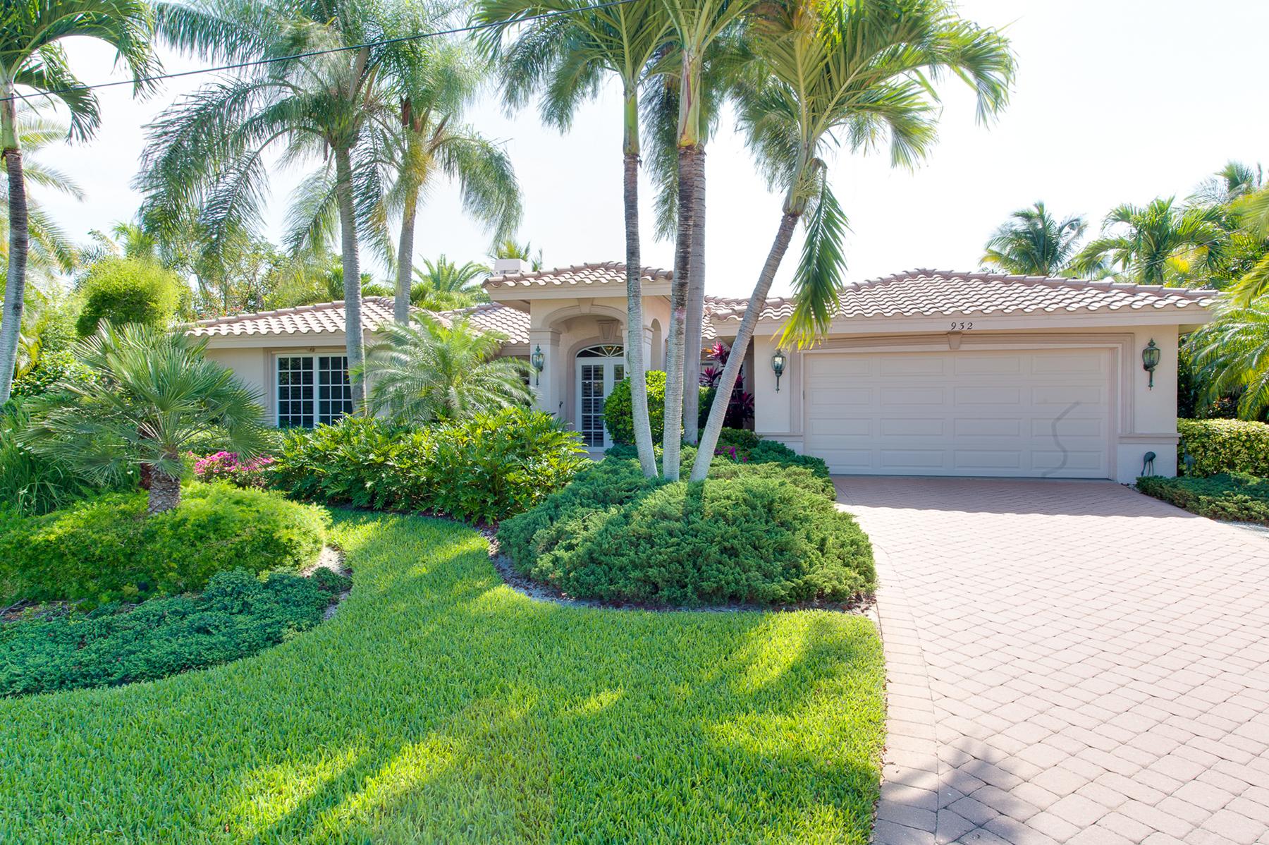 Single Family Home for Sale at SANIBEL 932 Whelk Dr, Sanibel, Florida 33957 United States