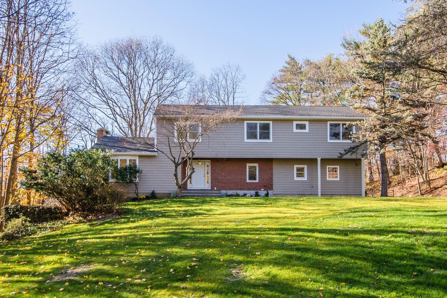 Nhà ở một gia đình vì Bán tại Colonial 3 Lattingtown Ridg Ct Locust Valley, New York, 11560 Hoa Kỳ