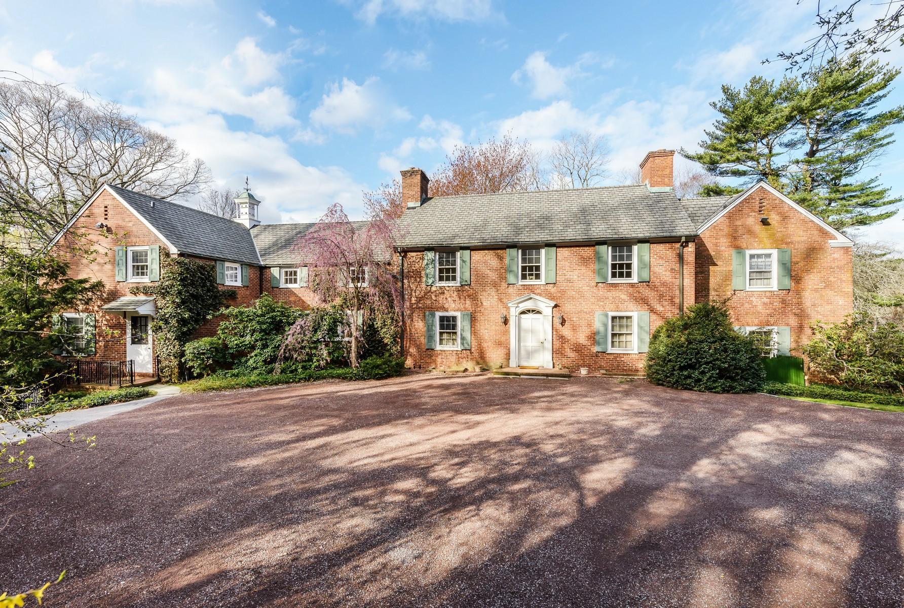 獨棟家庭住宅 為 出售 在 Colonial 60 Private Rd Mill Neck, 紐約州, 11765 美國