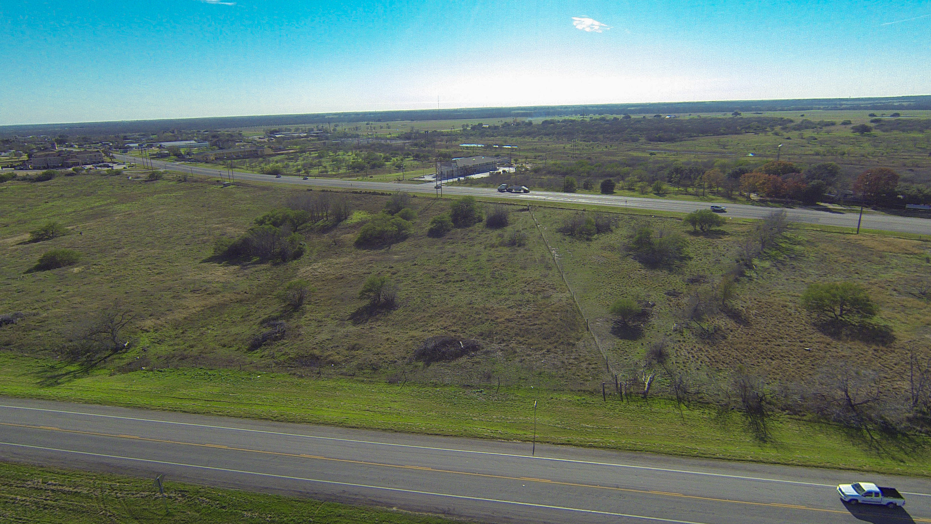 Additional photo for property listing at HWY 183 N Water St., Gonzales  Gonzales, Texas 78629 United States