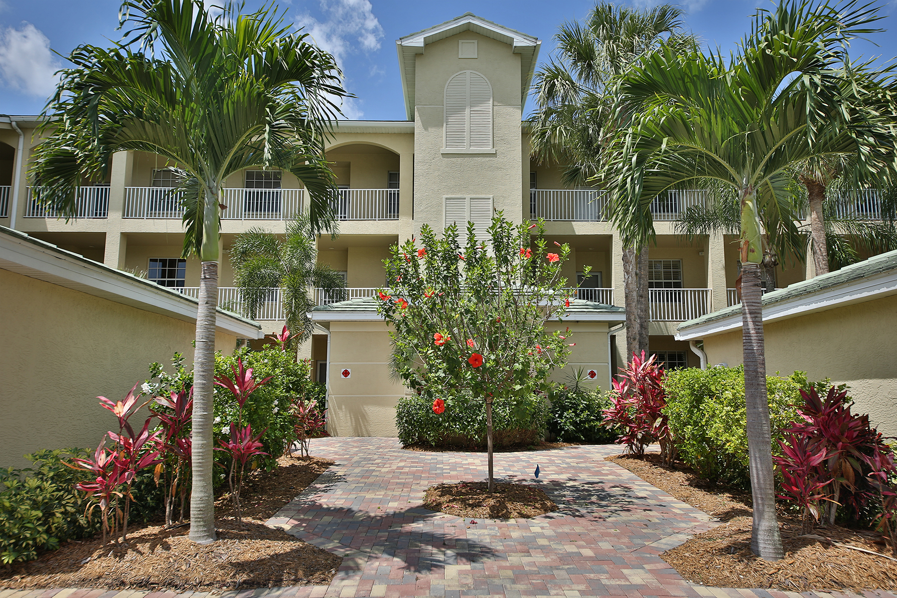 sales property at THE POINTE - PELICAN LANDING