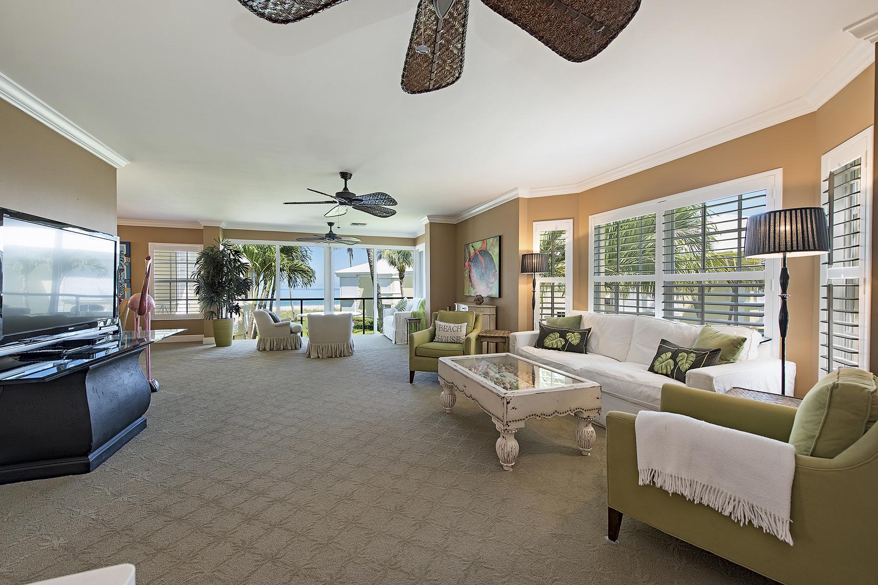 콘도미니엄 용 매매 에 MOORINGS - BILLOWS 2601 Gulf Shore Blvd N 4 Naples, 플로리다, 34103 미국