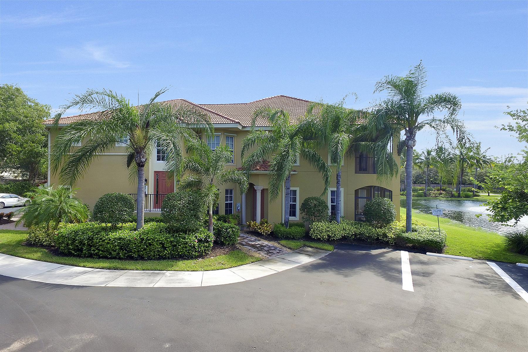Condomínio para Venda às BANYAN WOODS - RESERVE II 5070 Blauvelt Ct 102 Naples, Florida, 34105 Estados Unidos