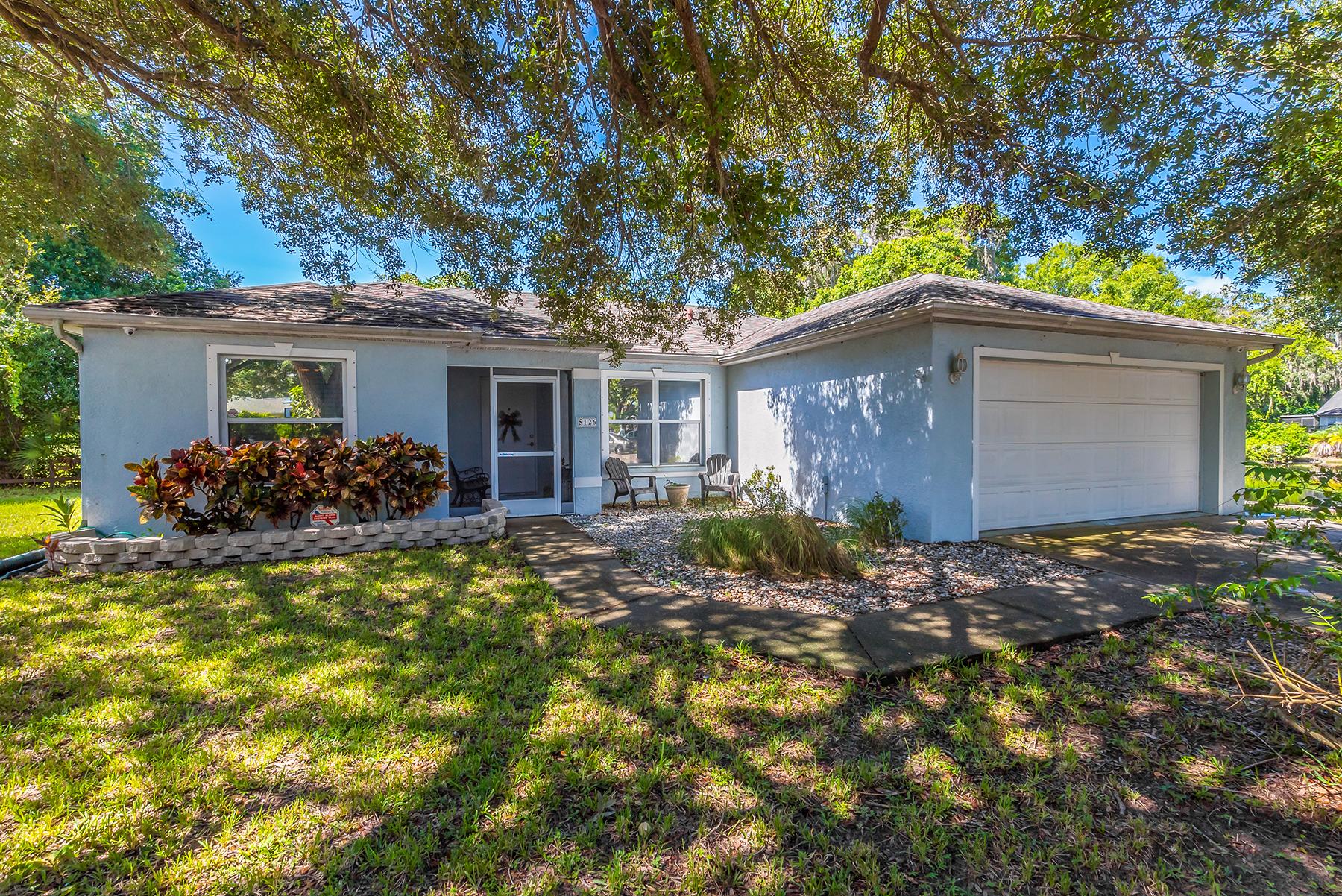 단독 가정 주택 용 매매 에 GROVELAND 5126 19th Ln E Bradenton, 플로리다, 34203 미국