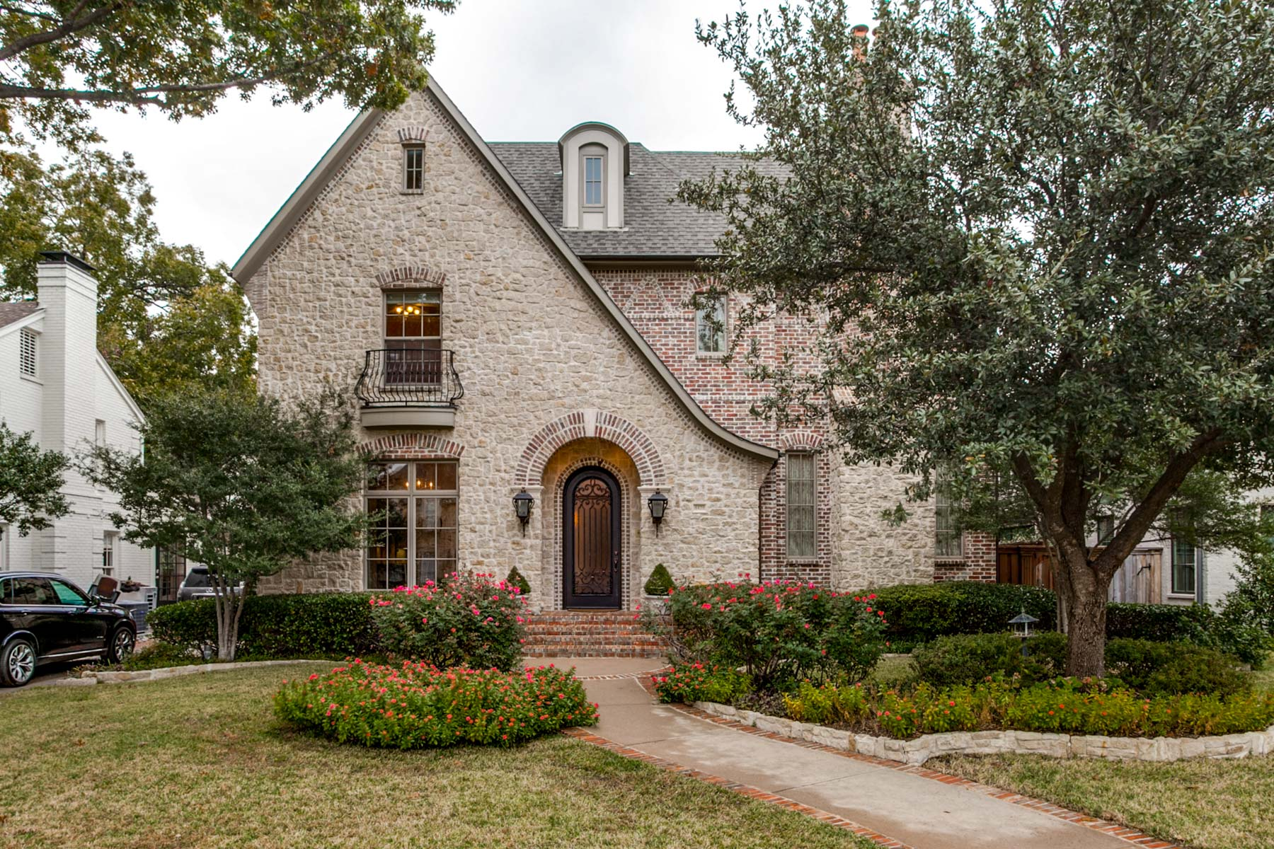 Single Family Home for Sale at 4428 Windsor Parkway, University Park 4428 Windsor Pkwy University Park, Texas, 75205 United States