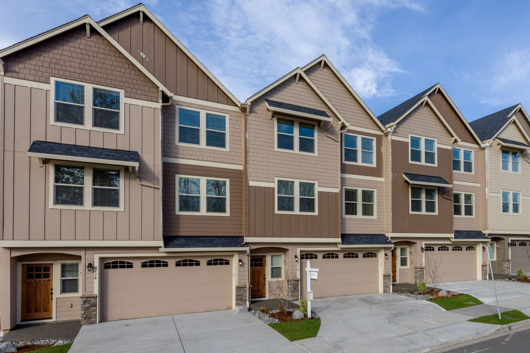 Single Family Home for Sale at Great New Gated Community! 4320 NW Sage Loop Camas, Washington 98607 United States