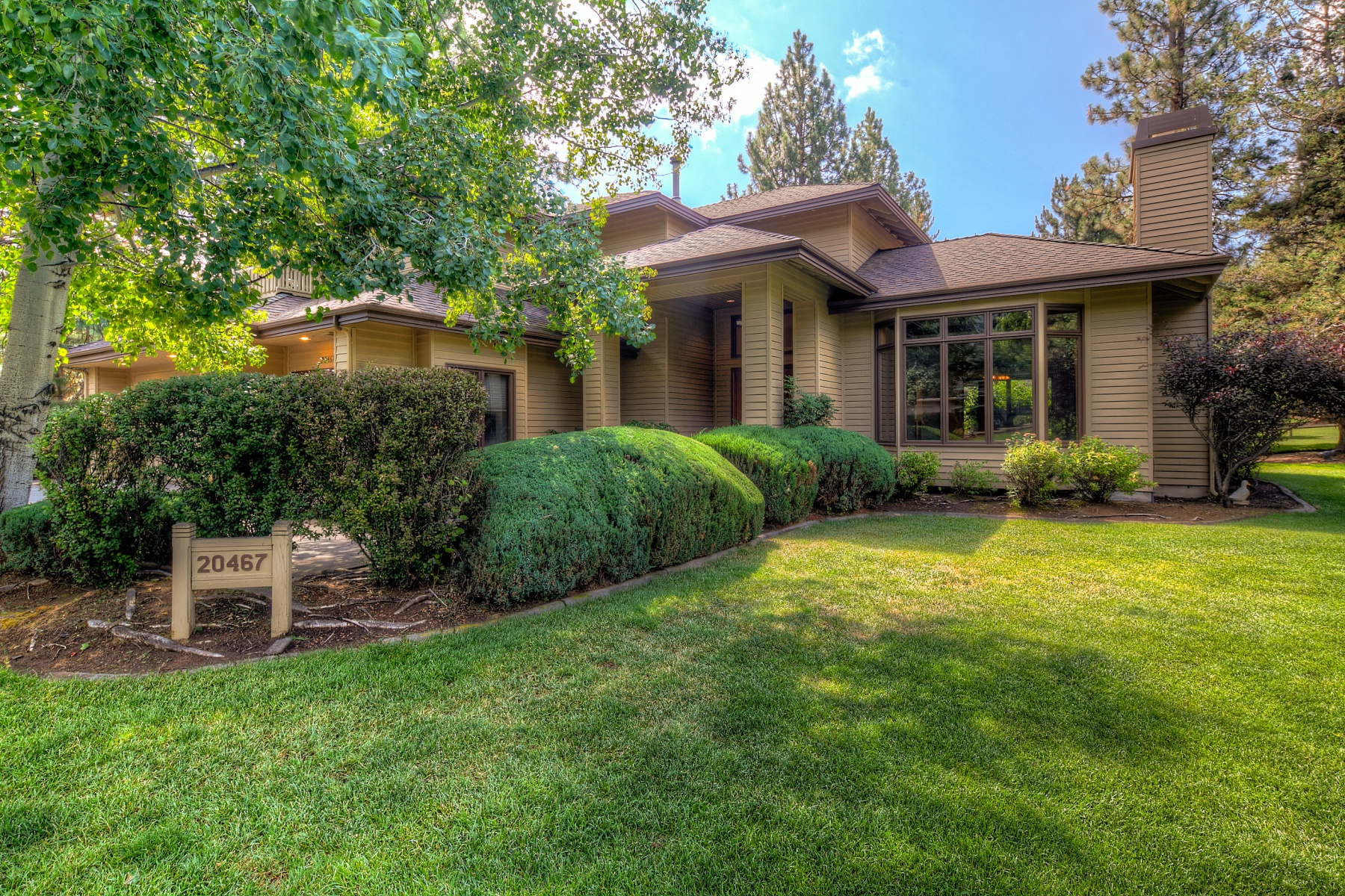 Single Family Home for Sale at 20467 Snowmass, BEND 20467 Snowmass Ct Bend, Oregon 97702 United States