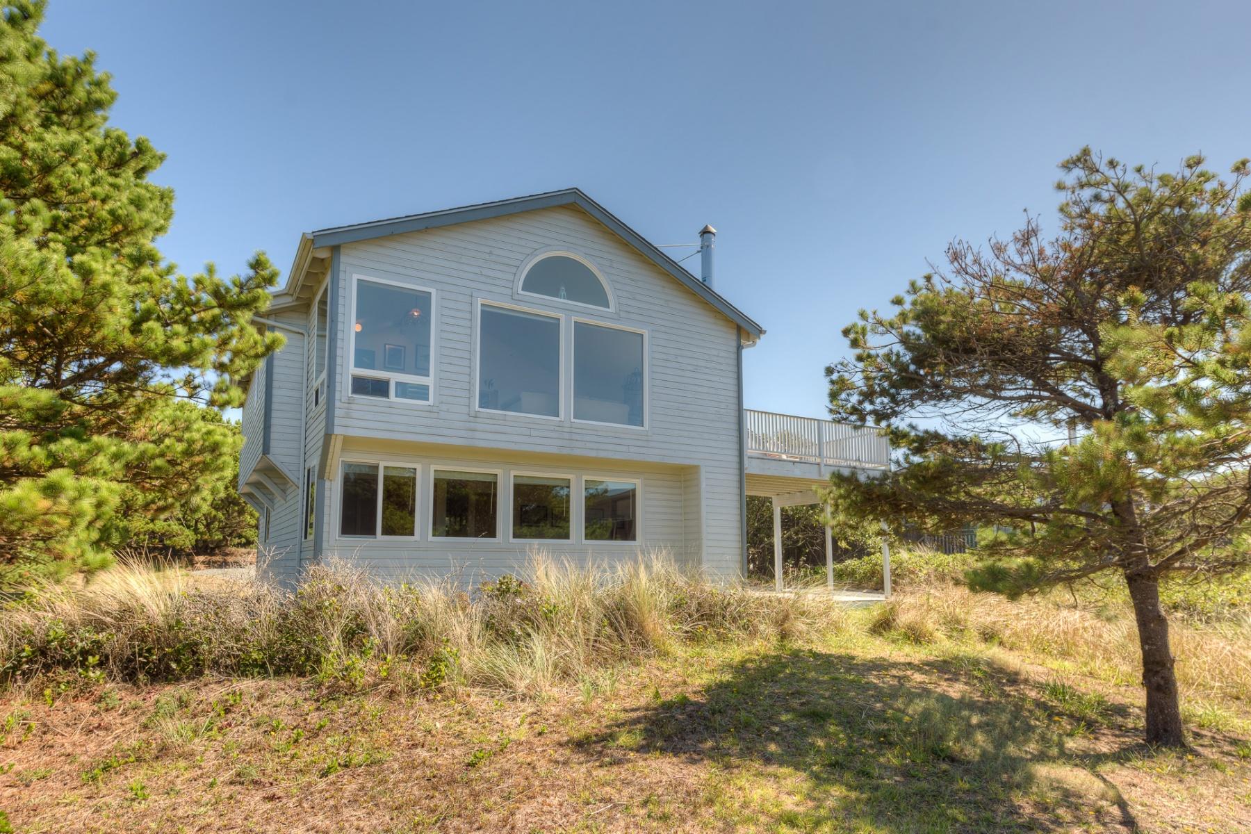 Nhà ở một gia đình vì Bán tại 901 S CARMEL, MANZANITA 901 S CARMEL Ave Manzanita, Oregon, 97130 Hoa Kỳ