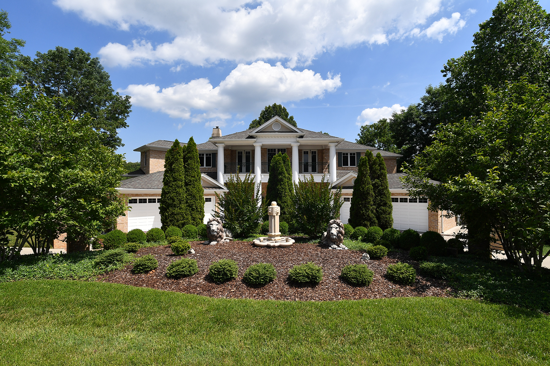 단독 가정 주택 용 매매 에 BRISTOL - THE VIRGINIAN 14914 Springview Ridge Bristol, 버지니아, 24202 미국