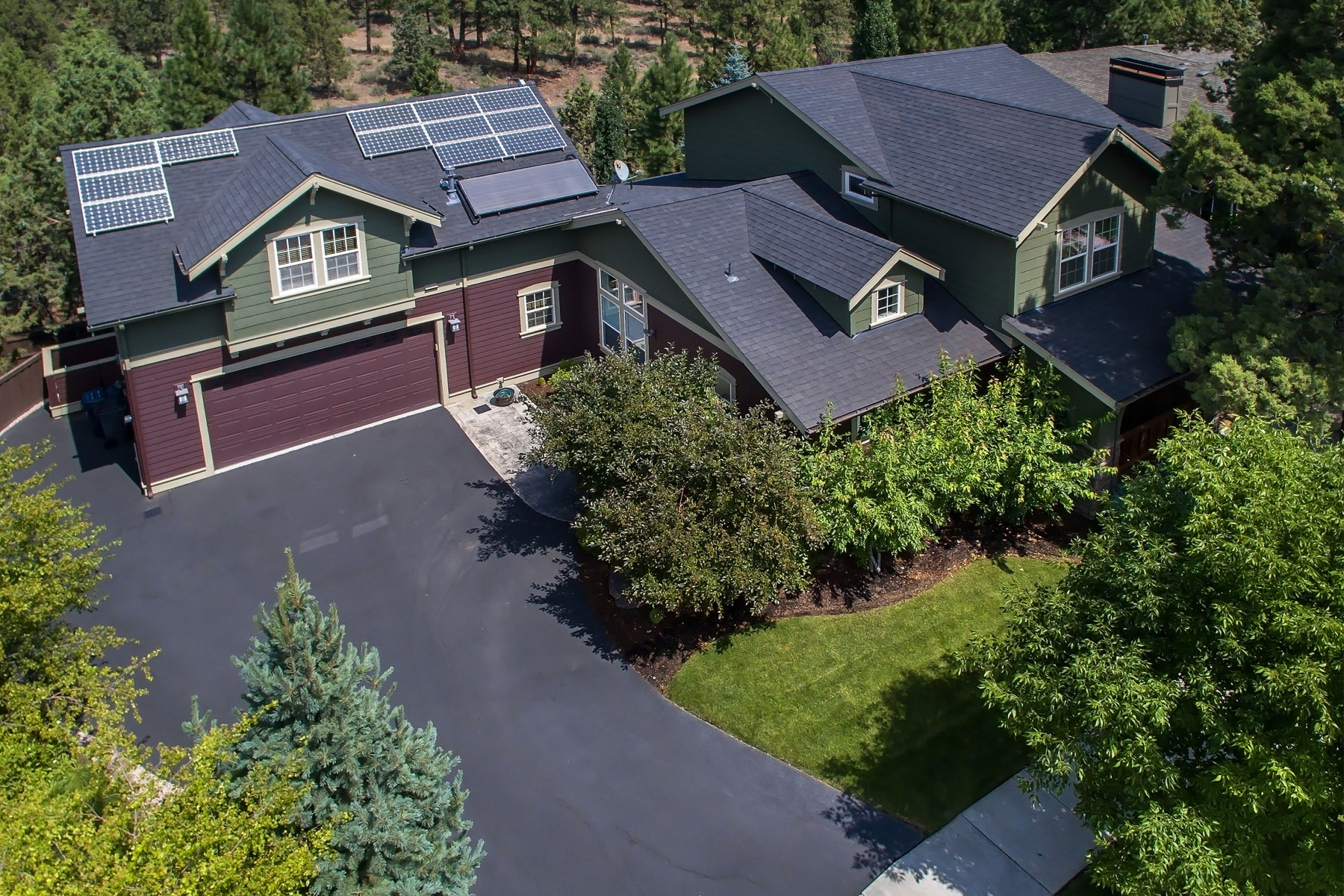 Single Family Home for Sale at 2524 Shields Drive, BEND 2524 NW Shields Dr Bend, Oregon 97701 United States