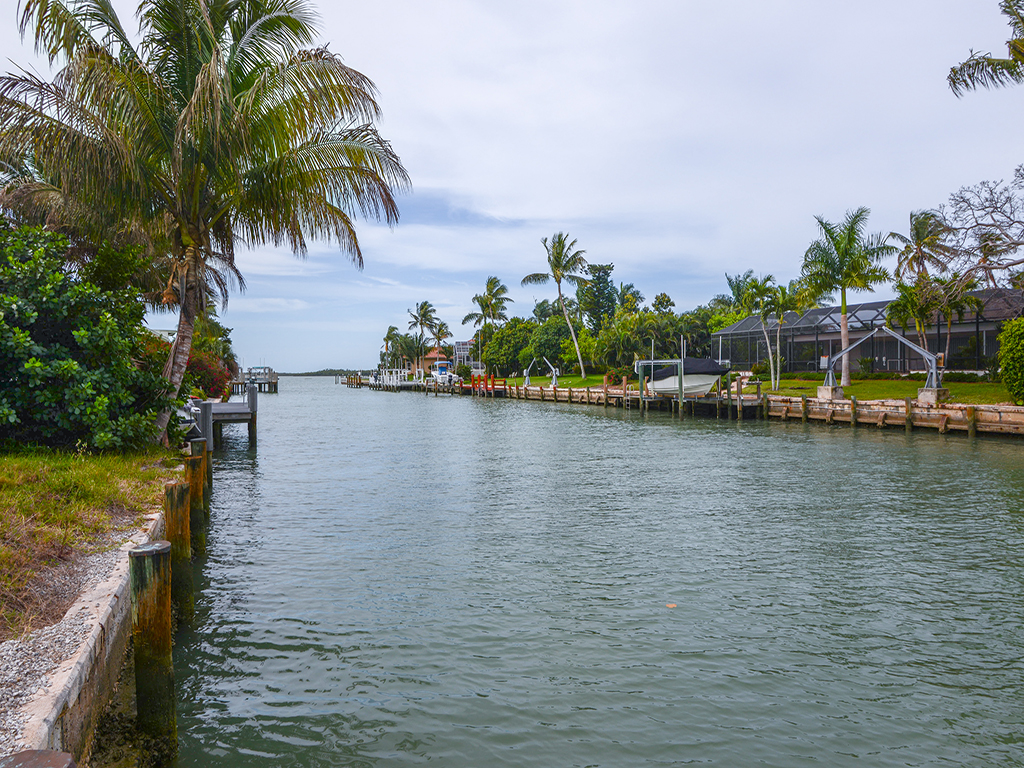 Terreno para Venda às MARCO ISLAND - CAXAMBAS DRIVE 1085 Caxambas Ct Marco Island, Florida 34145 Estados Unidos