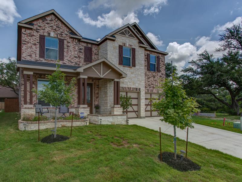 Single Family Home for Sale at WONDERFUL HOME IN COBBLESTONE 7535 Daniel Krug San Antonio, Texas 78253 United States