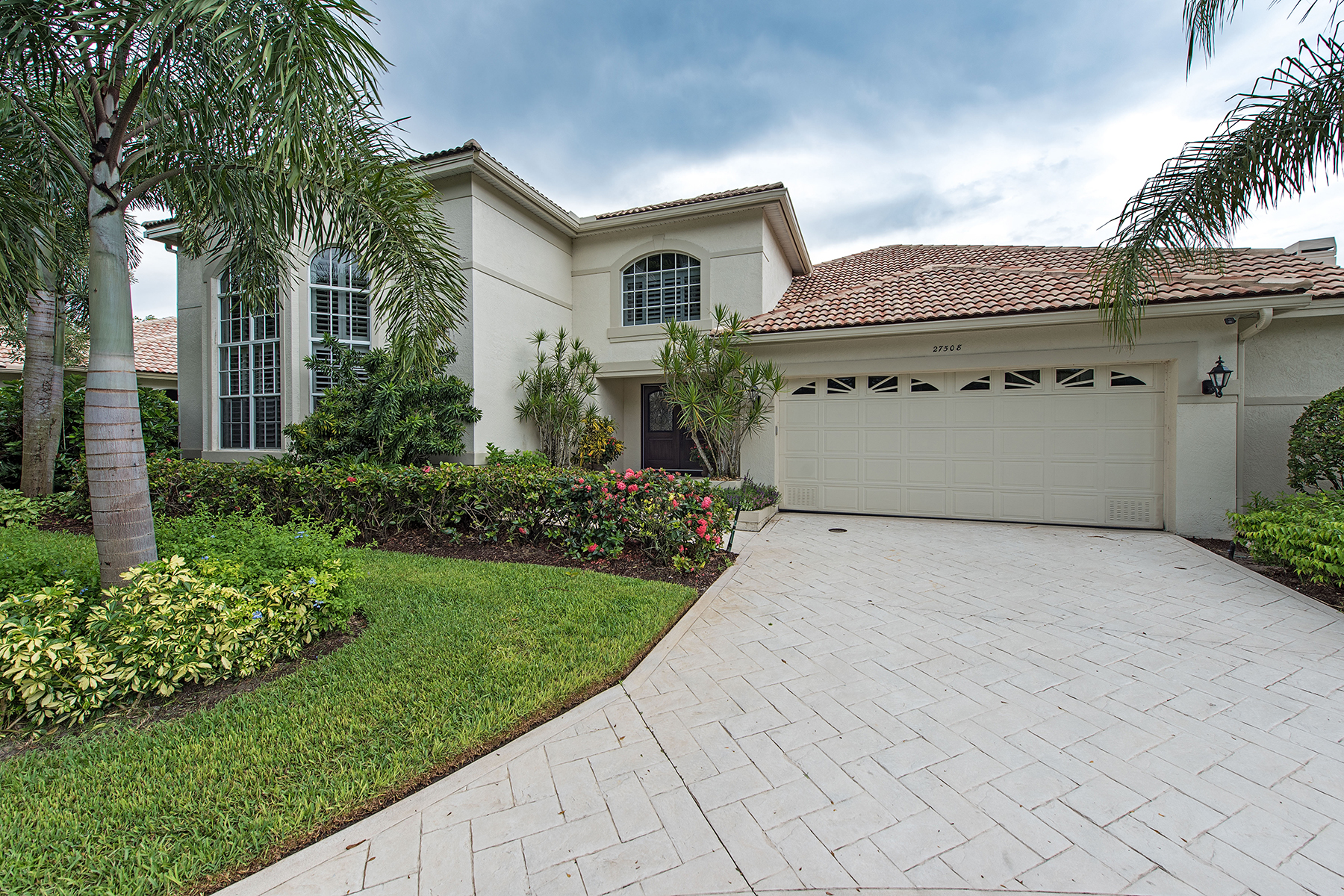 Maison unifamiliale pour l Vente à BONITA BAY - THE ANCHORAGE 27508 Riverbank Dr Bonita Springs, Florida, 34134 États-Unis