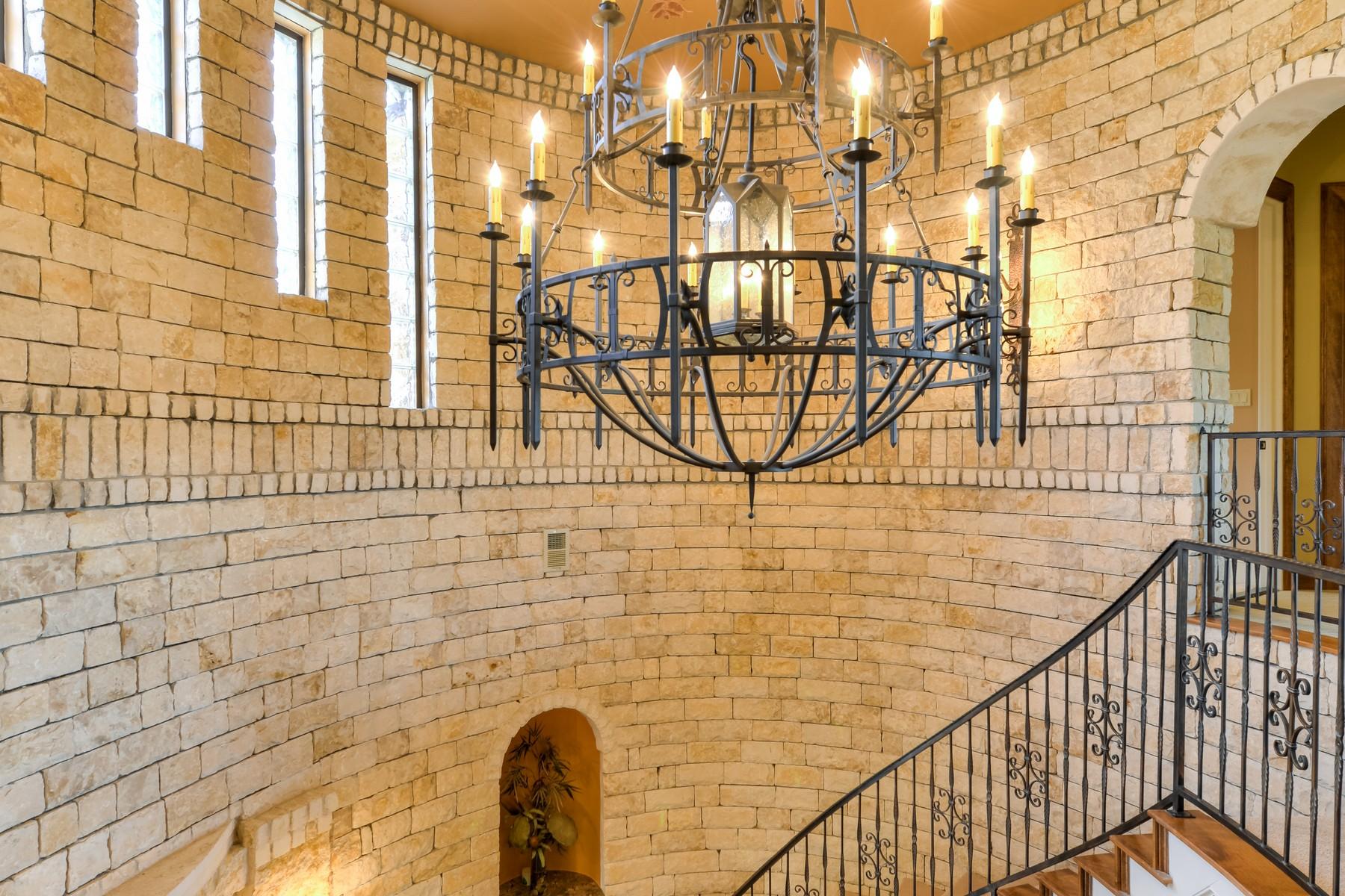 Additional photo for property listing at A Private Escape 4412 City Park 3 Austin, Texas 78730 Estados Unidos