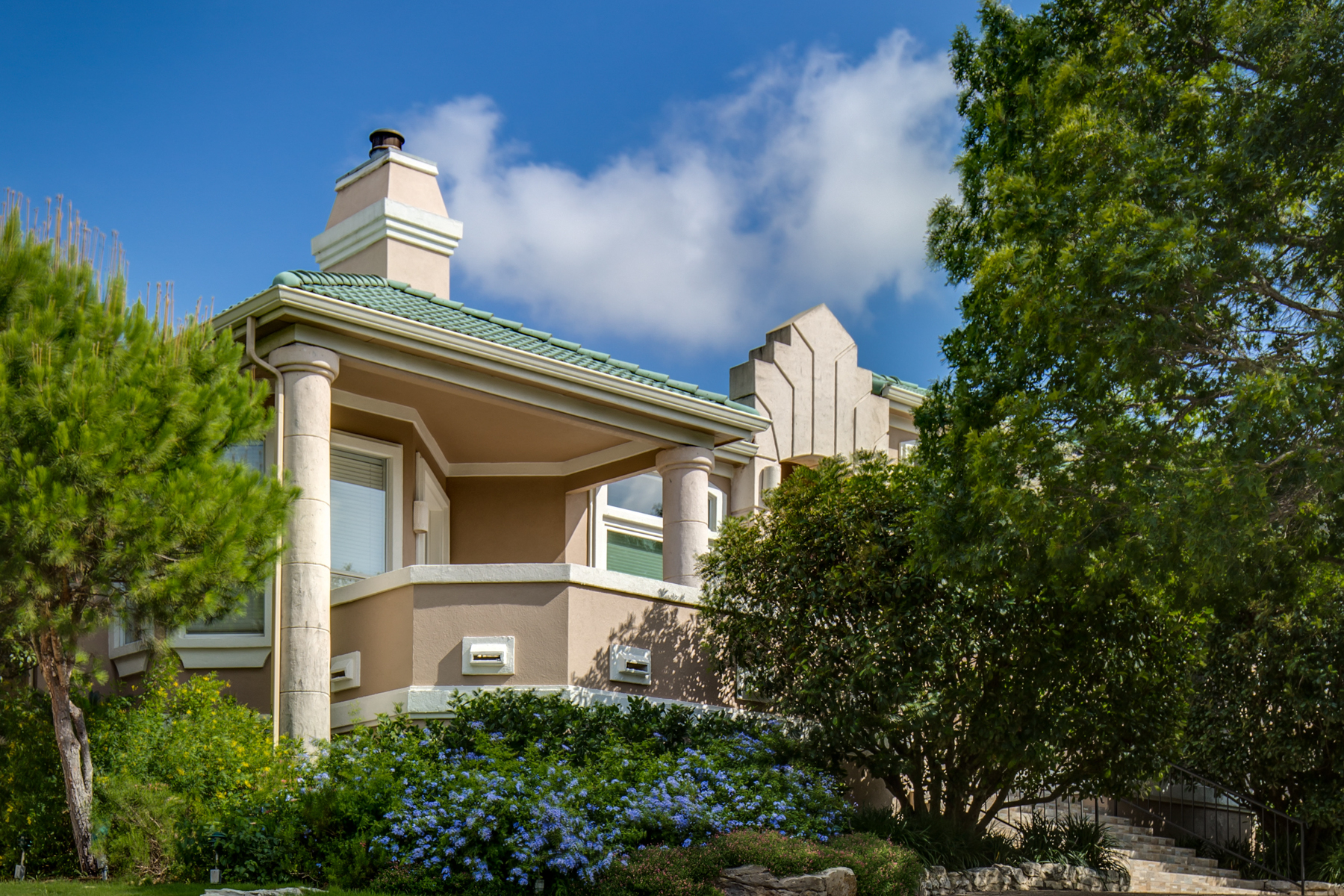 Additional photo for property listing at Stunning Villa in Greystone Country Estates 19122 Nature Oaks San Antonio, Texas 78258 United States