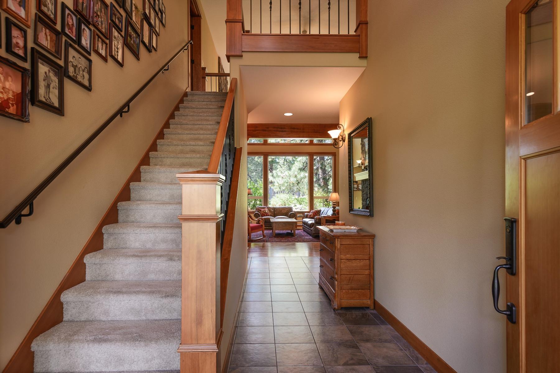 独户住宅 为 销售 在 60819 Currant Way, BEND 本德, 俄勒冈州, 97702 美国