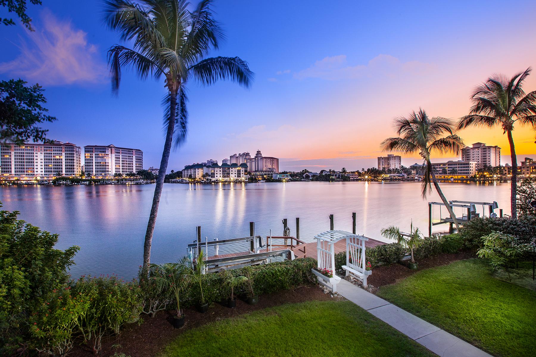 단독 가정 주택 용 매매 에 VANDERBILT BEACH - CONNERS 336 Oak Ave Naples, 플로리다, 34108 미국