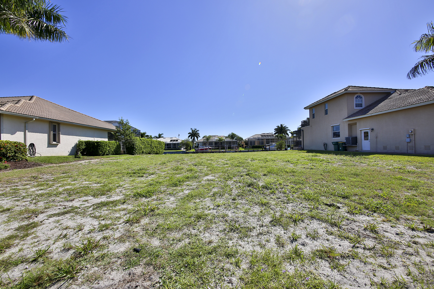 Земля для того Продажа на MARCO ISLAND - MARQUESAS COURT 335 Marquesas Ct Marco Island, Флорида 34145 Соединенные Штаты