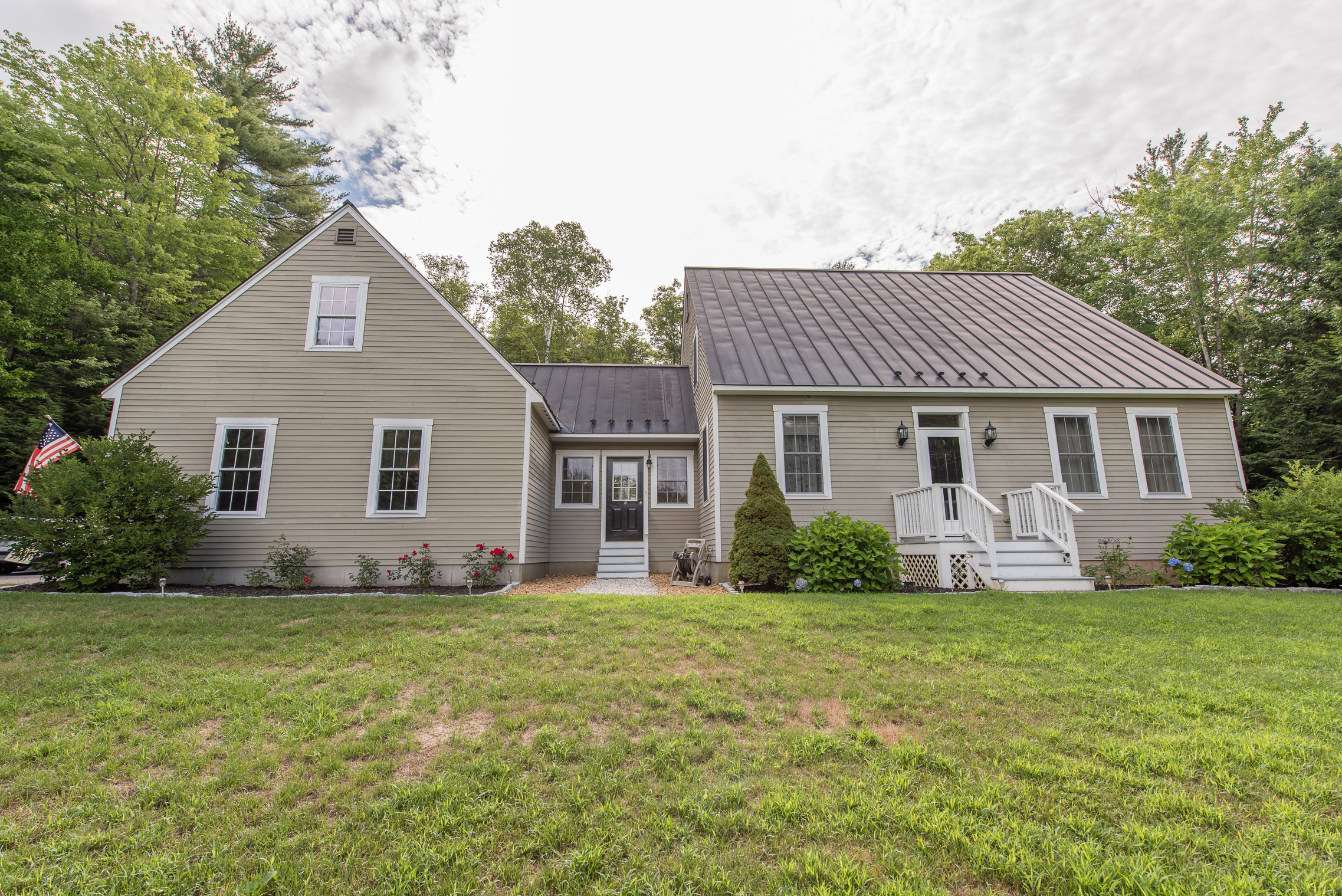 Single Family Home for Sale at 51 Skyview Cir, Meredith Meredith, New Hampshire, 03253 United States