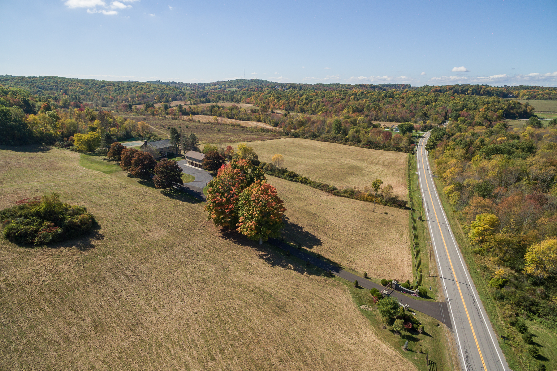 Additional photo for property listing at Custom Home on 67 Acres in Stillwater 411  Cedar Bluff Rd Stillwater, Нью-Йорк 12170 Соединенные Штаты