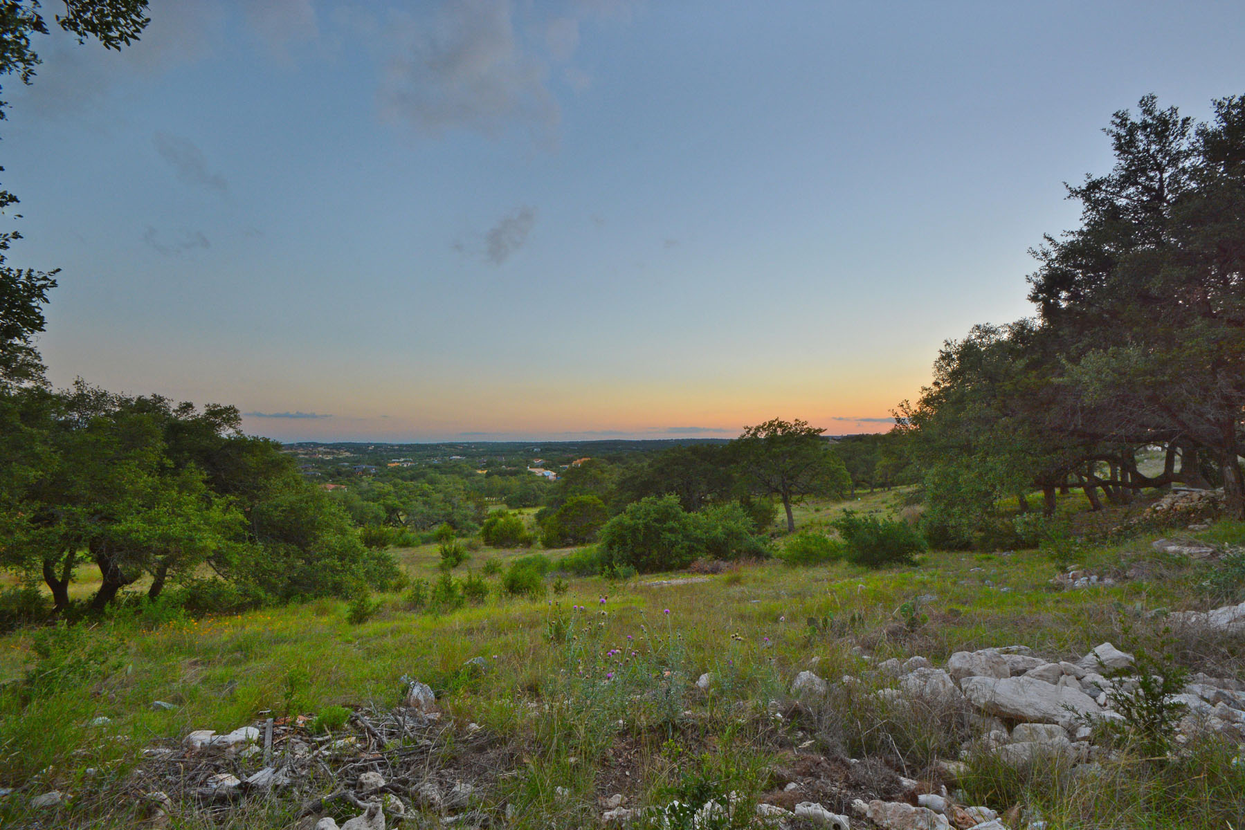 Additional photo for property listing at Fabulous Views and Privacy 8041 Carlton Ridge Cv Austin, Texas 78738 United States