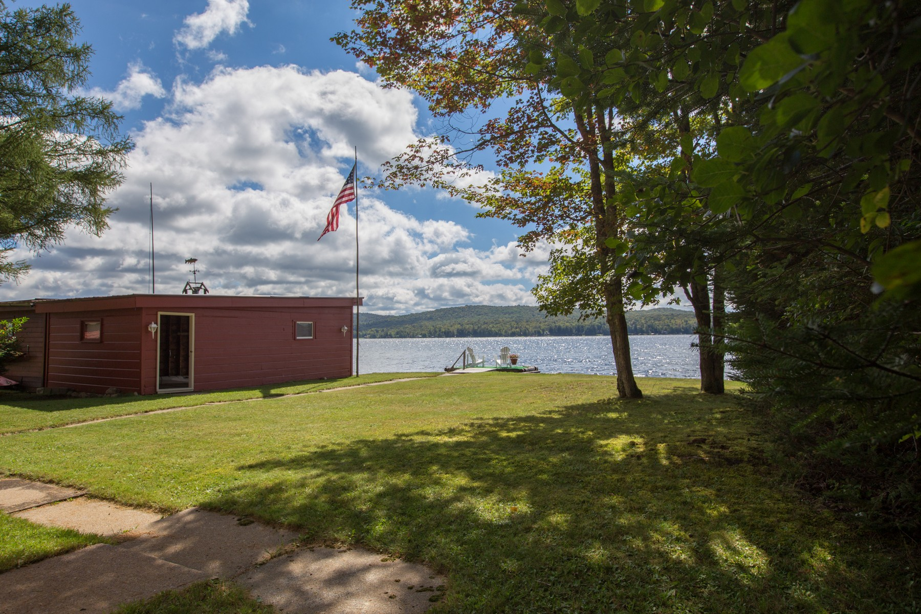 Additional photo for property listing at Adirondack Lakefront Camp 162  Lone Pine Road South 雄鹰海湾, 纽约州 13331 美国