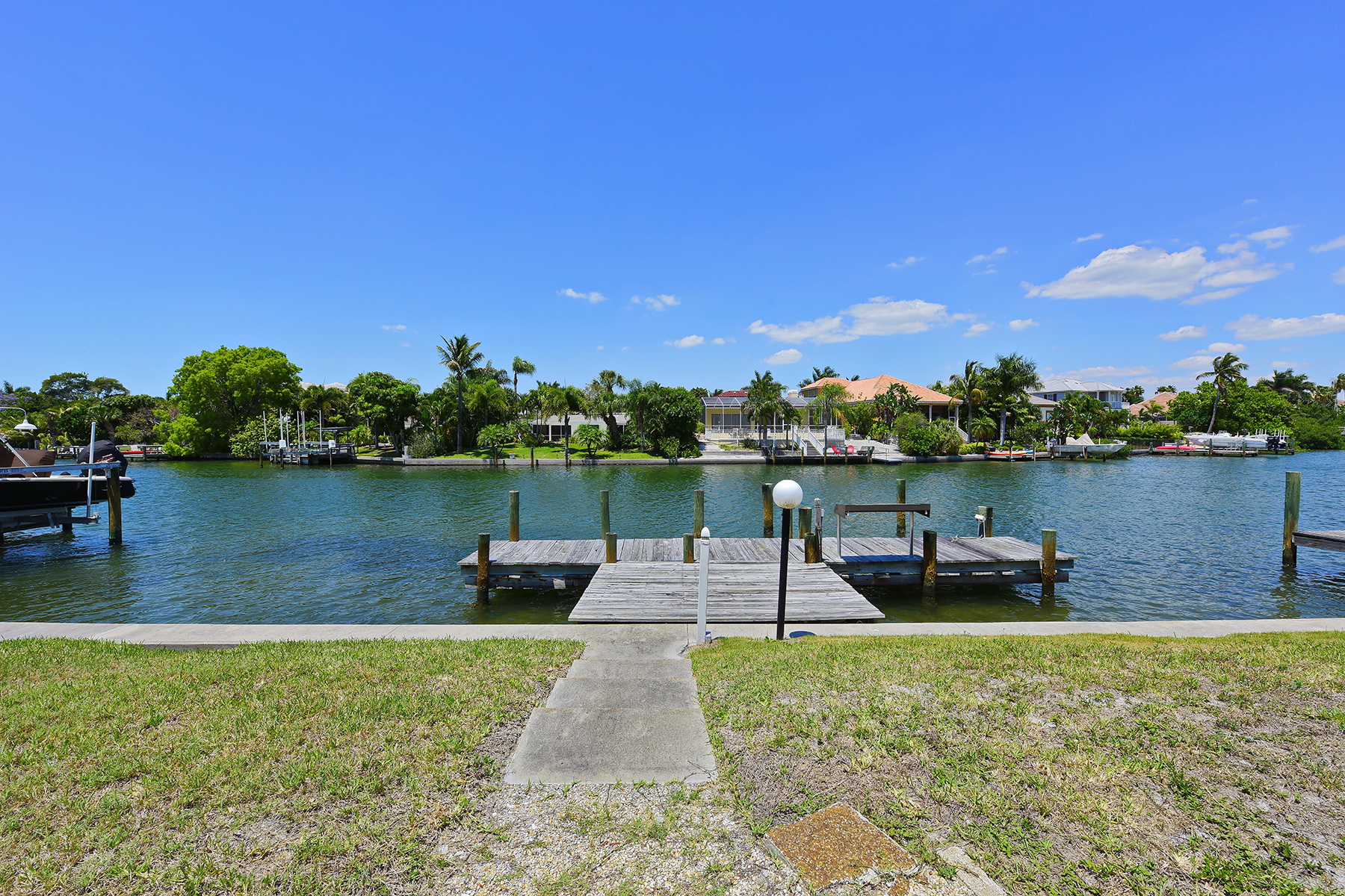 토지 용 매매 에 LIDO BEACH 423 S Polk Dr 9 Sarasota, 플로리다 34236 미국