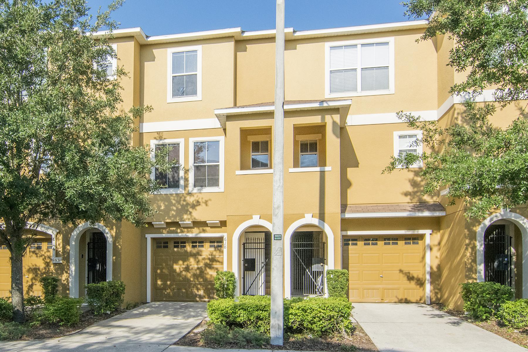 Maison de ville pour l Vente à TAMPA 618 Wheaton Trent Pl Tampa, Florida, 33619 États-Unis