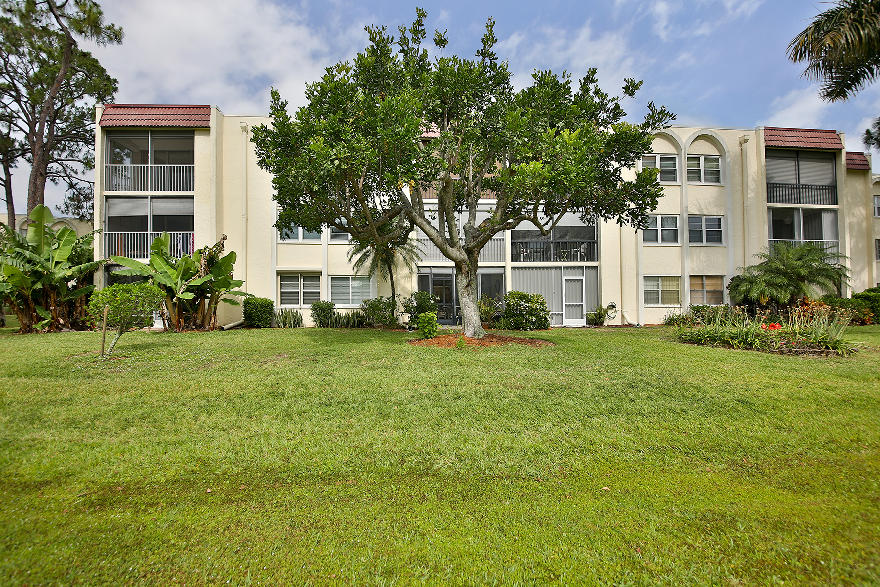 Condominium for Sale at FOREST LAKES 1085 Forest Lakes Dr 309 Naples, Florida, 34105 United States