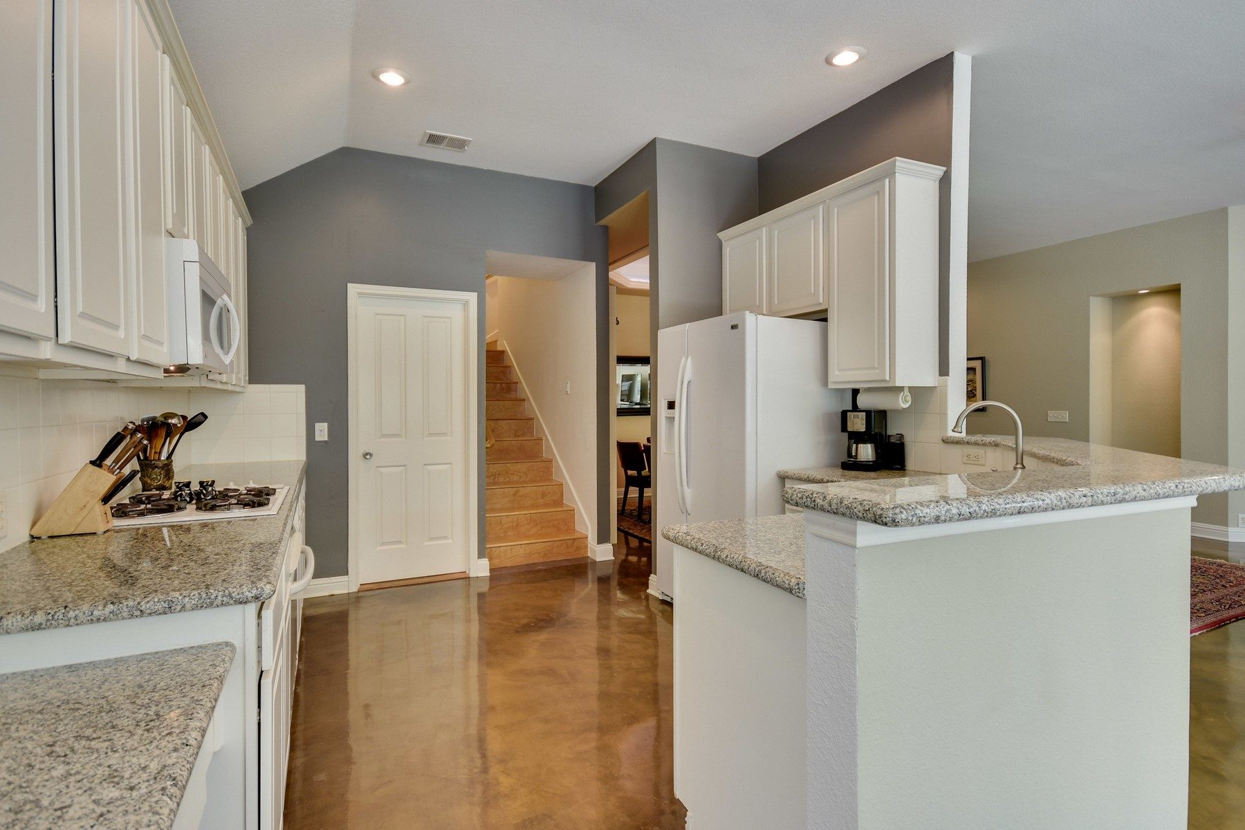 Additional photo for property listing at Fabulous Travis Country 5244 Concho Creek BND Austin, Texas 78735 Estados Unidos