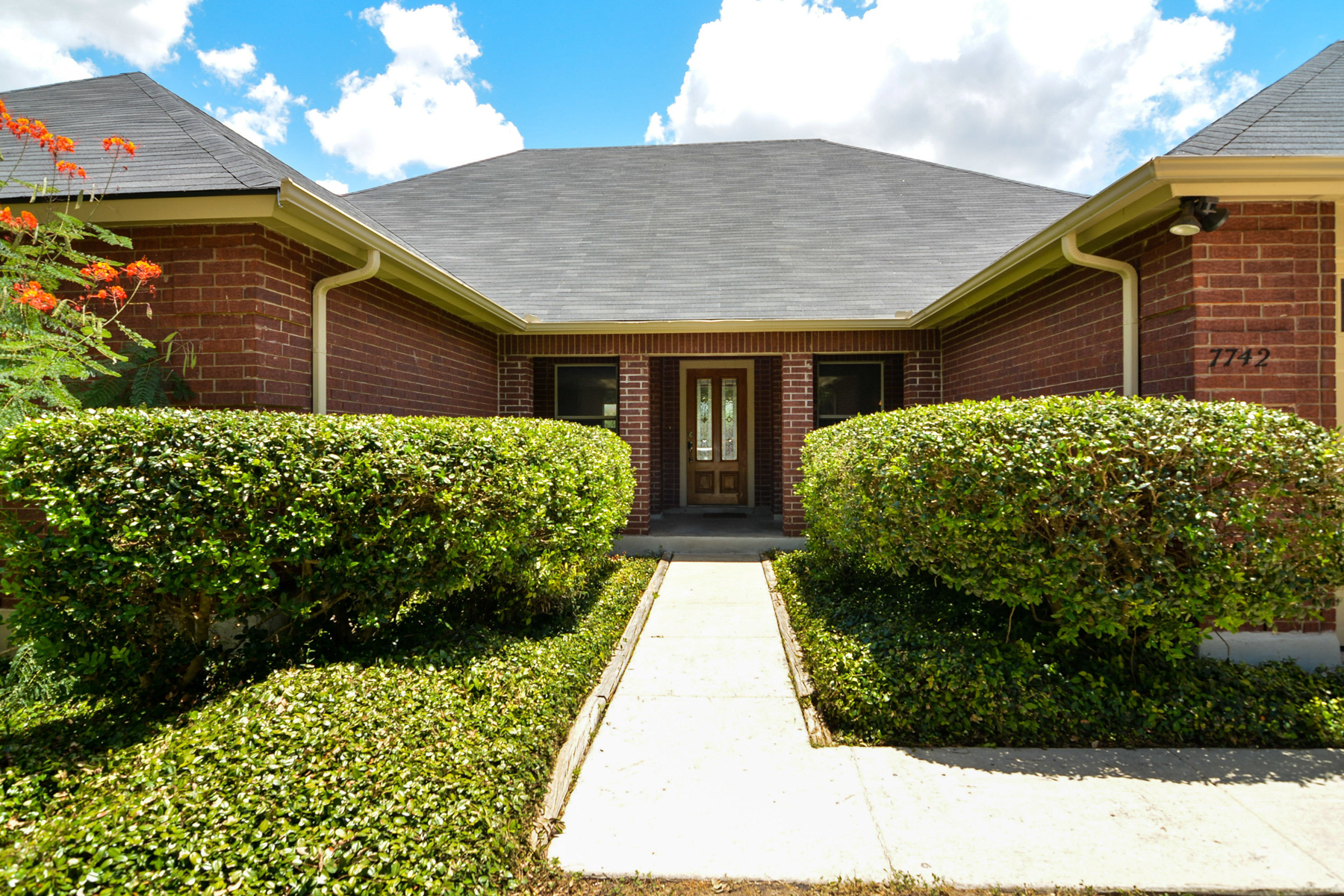 Additional photo for property listing at Rare Find in Parkwood 7742 Oakhill Park Dr San Antonio, Texas 78249 Estados Unidos