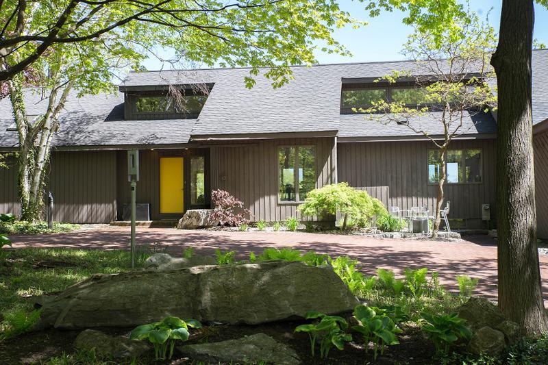 一戸建て のために 売買 アット Private Contemporary Close to Downtown 42 East Av Saratoga Springs, ニューヨーク, 12866 アメリカ合衆国