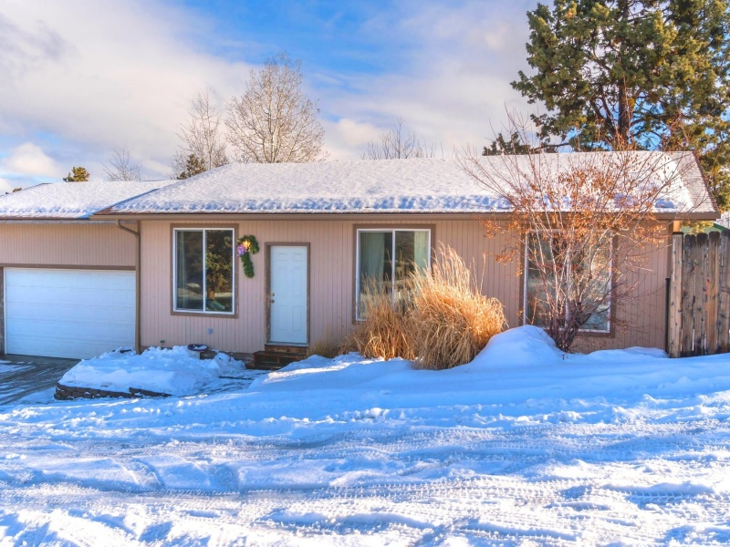 Single Family Home for Sale at 1331 NE Butler Market Road, BEND 1331 NE Butler Market Rd Bend, Oregon, 97701 United States
