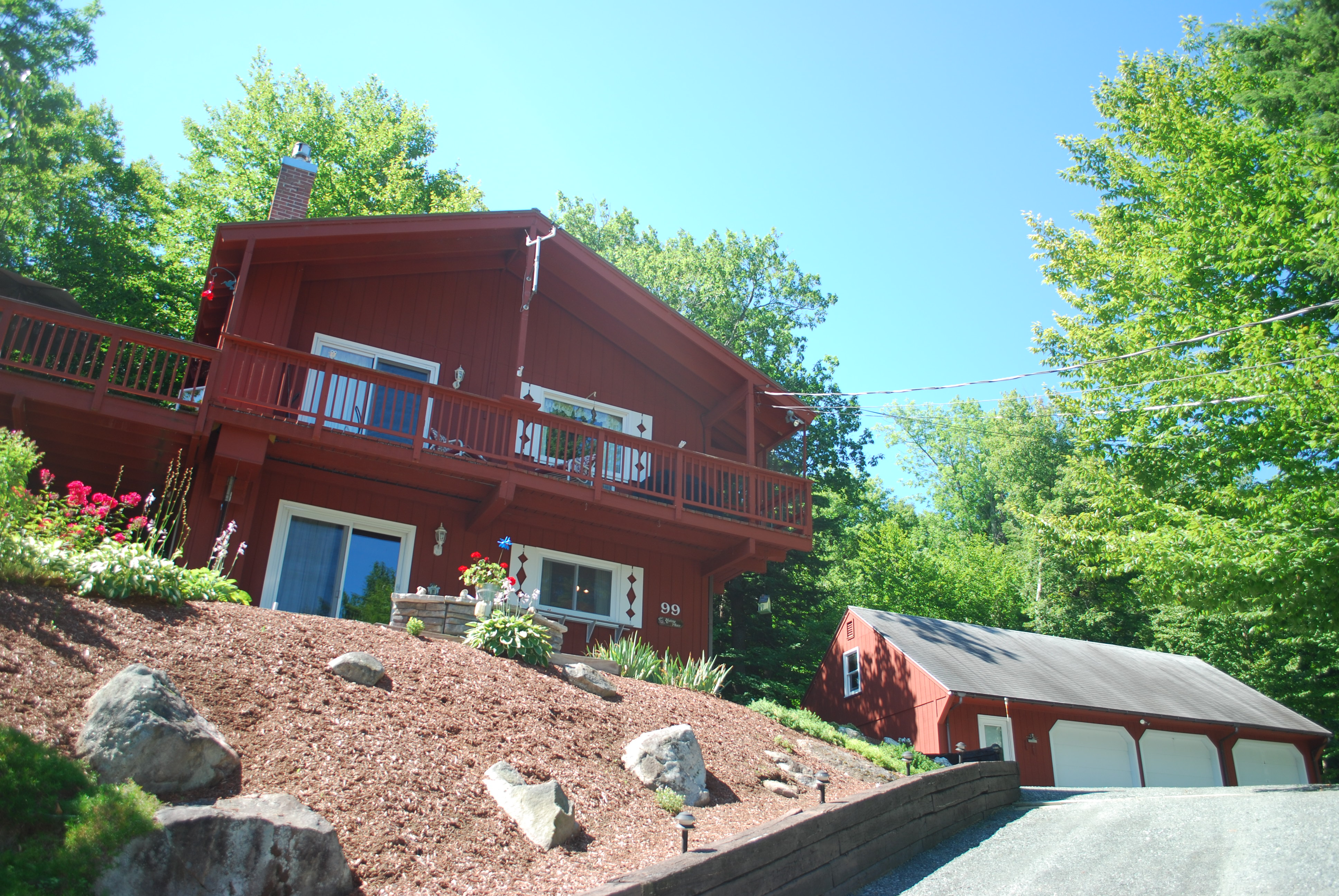 Частный односемейный дом для того Продажа на 99 Gerald Dr, Newbury Newbury, Нью-Гэмпшир, 03255 Соединенные Штаты