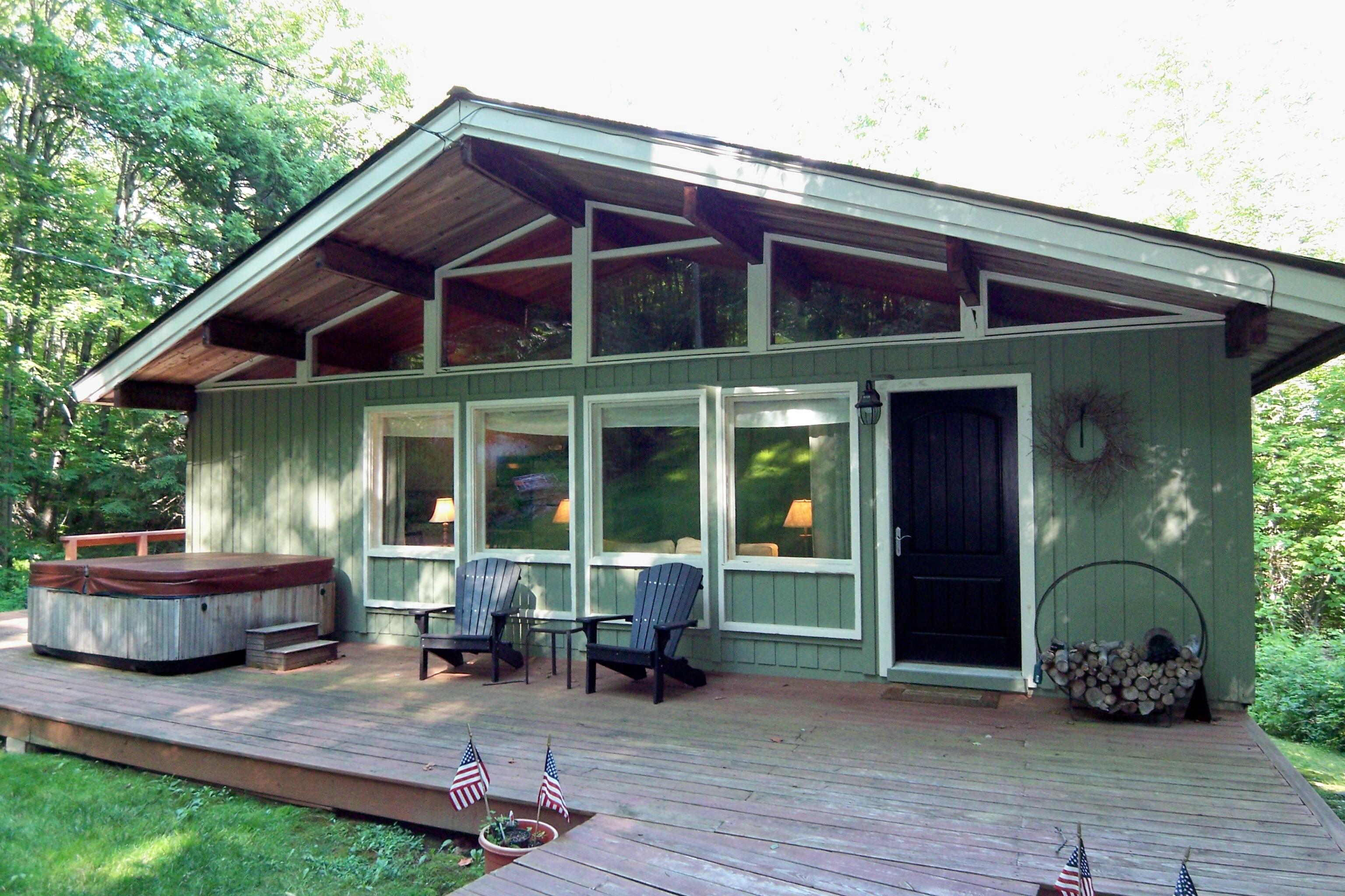 獨棟家庭住宅 為 出售 在 Affordable Chalet 20 Pine Drive (m922) Wilmington, 佛蒙特州, 05363 美國