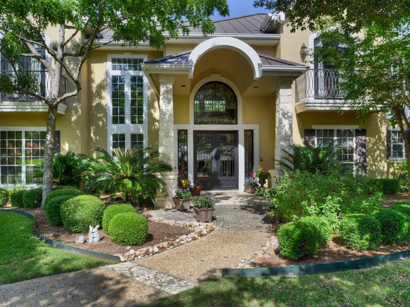 Einfamilienhaus für Verkauf beim Gorgeous Home in Shavano Creek 302 Princeton Oak Shavano Park, Texas 78230 Vereinigte Staaten