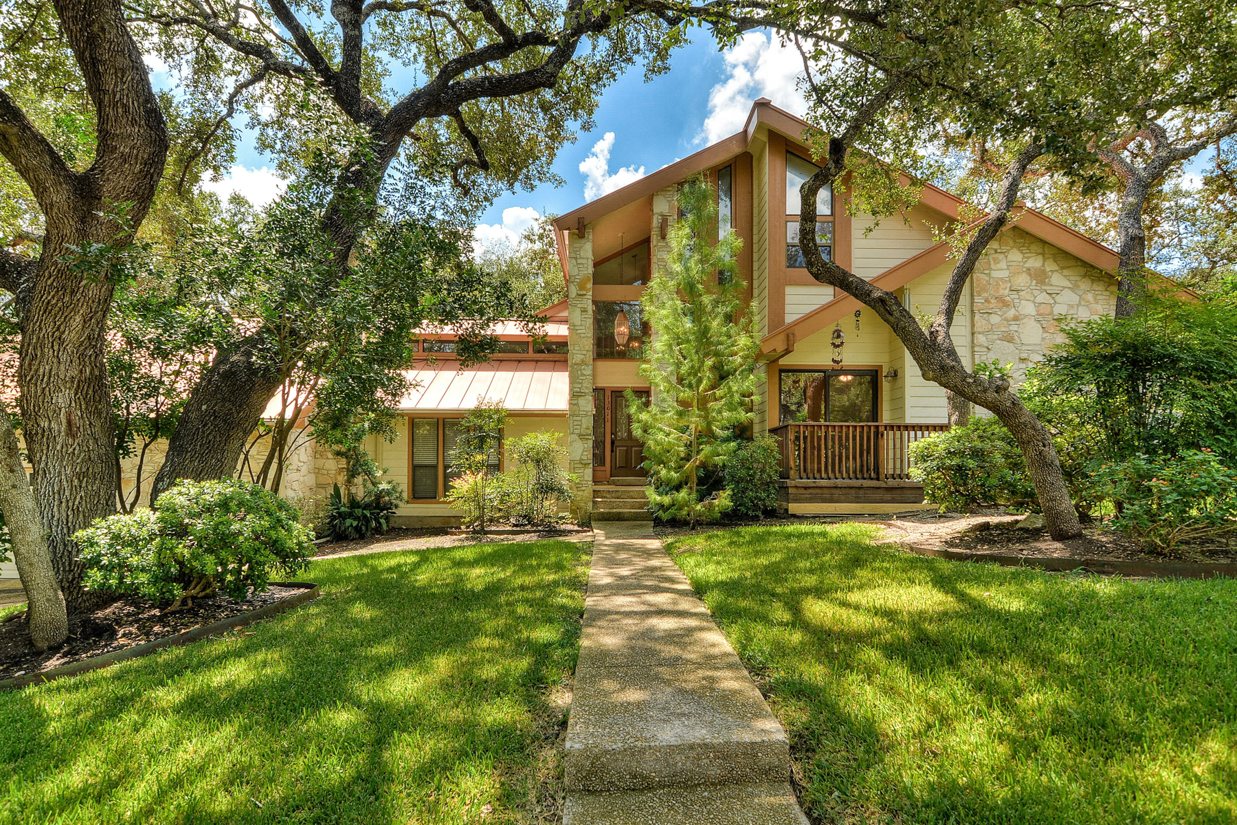 Single Family Home for Sale at Gem in the heart of Prime Hunters Creek 13011 Hunters Ledge San Antonio, Texas 78230 United States