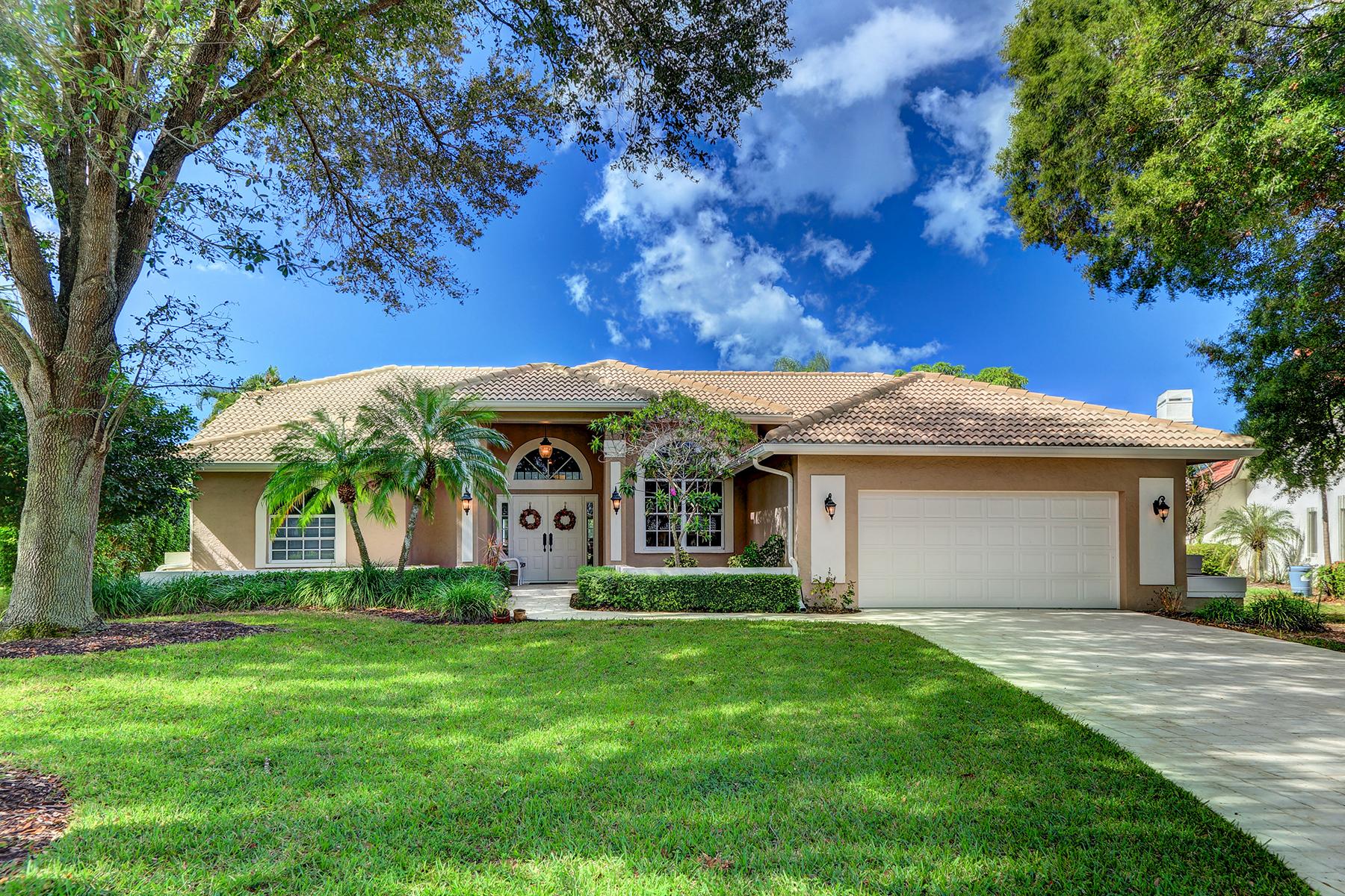 Частный односемейный дом для того Продажа на MONTEREY 7653 Ponte Verde Way Naples, Флорида 34109 Соединенные Штаты