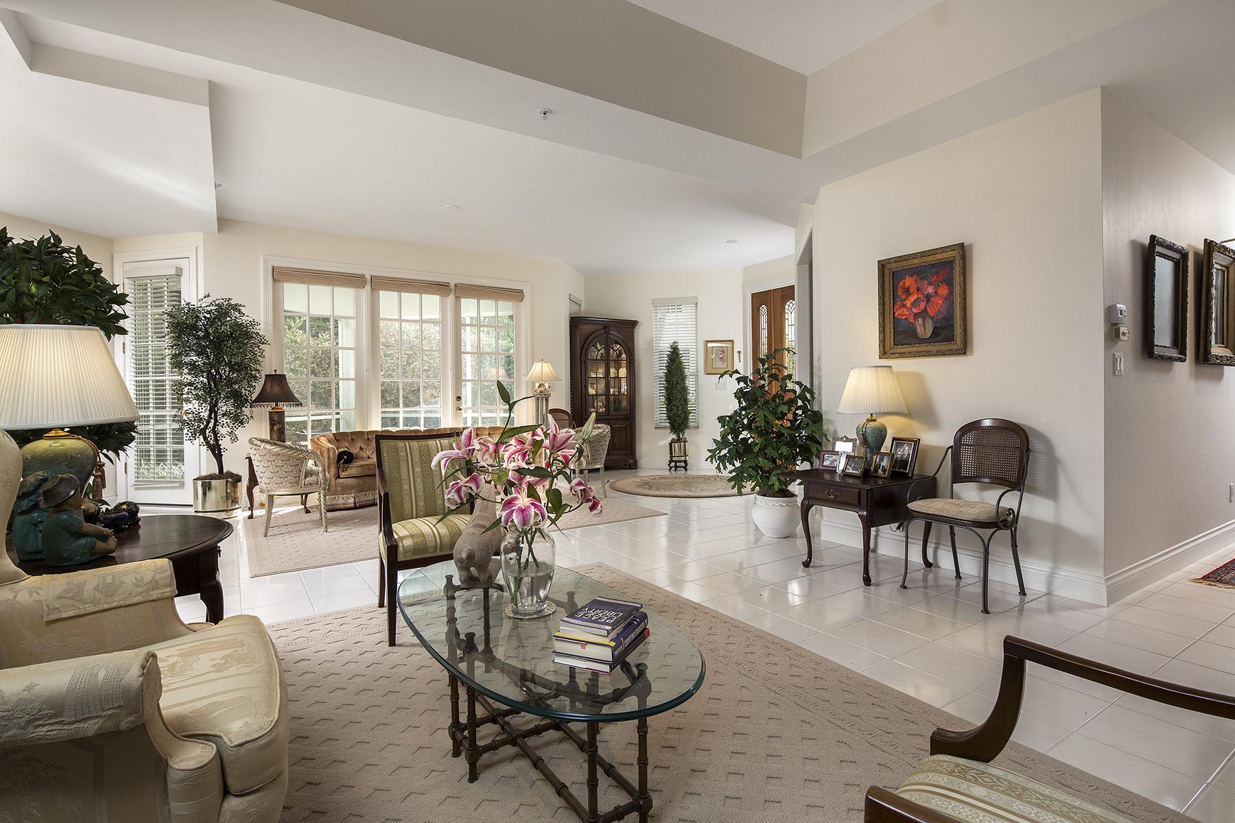 Eigentumswohnung für Verkauf beim Park Shore 245 Colonade Cir 2502 Naples, Florida 34103 Vereinigte Staaten